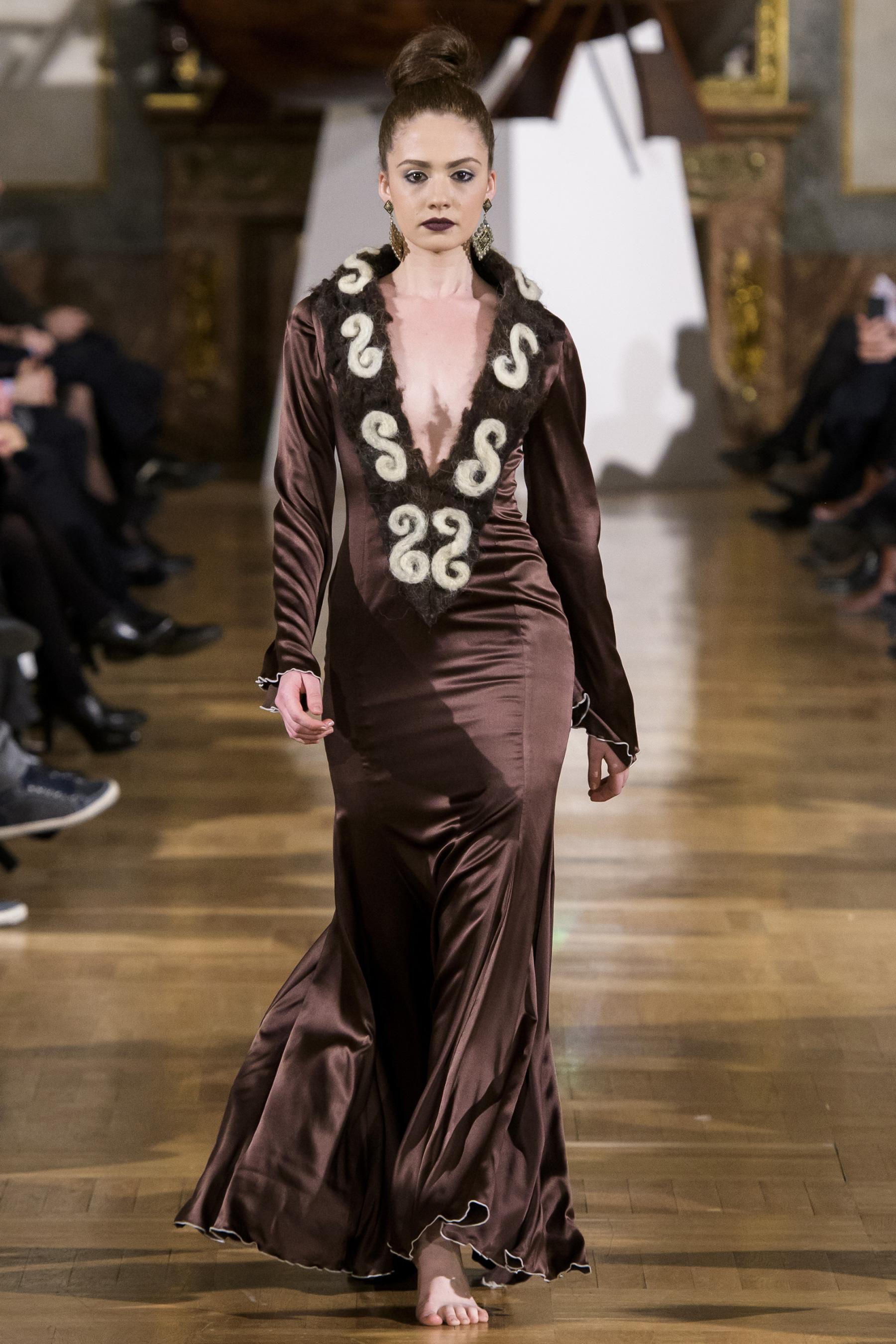 World of Fashion AR RF17 3179