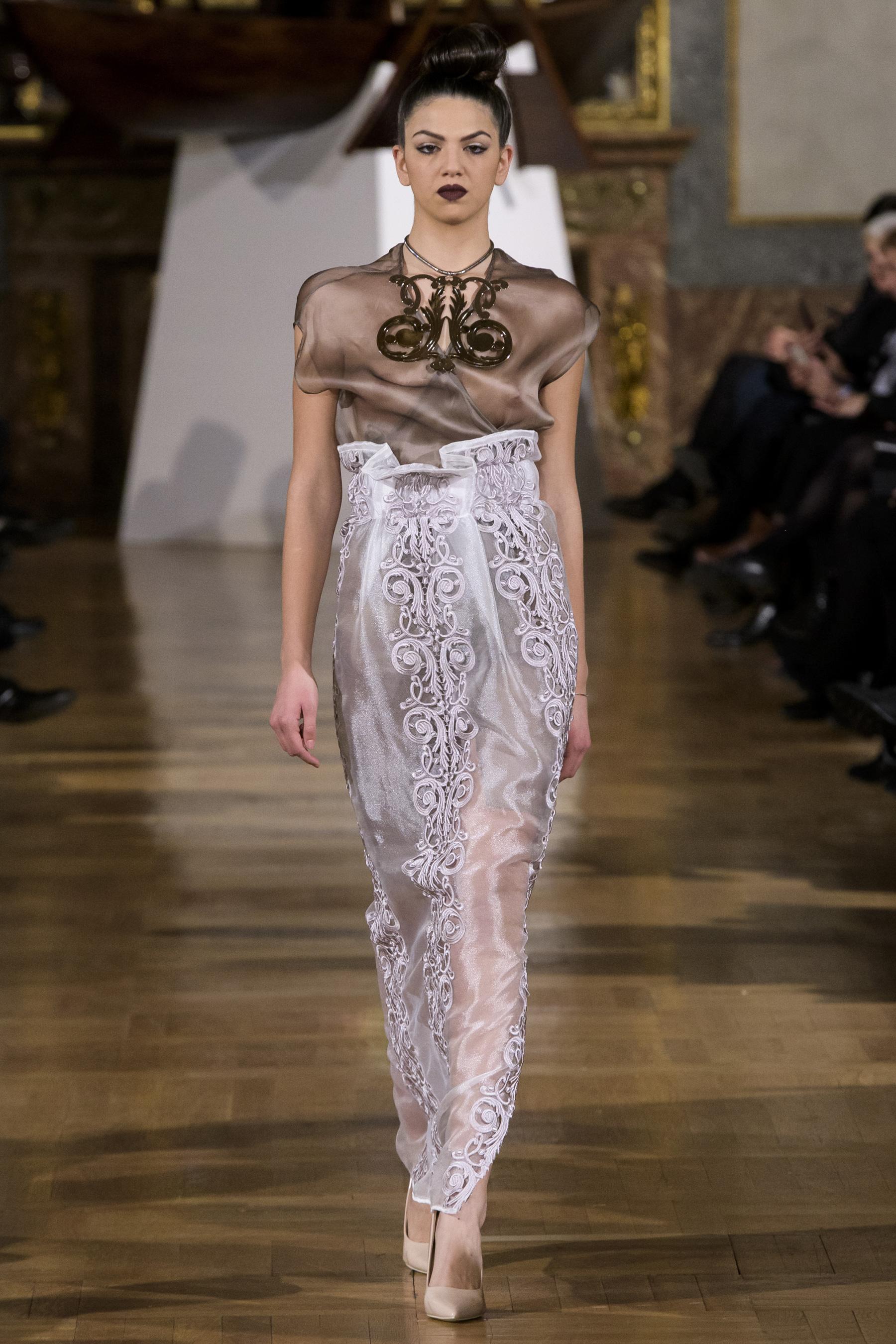 World of Fashion AR RF17 3204