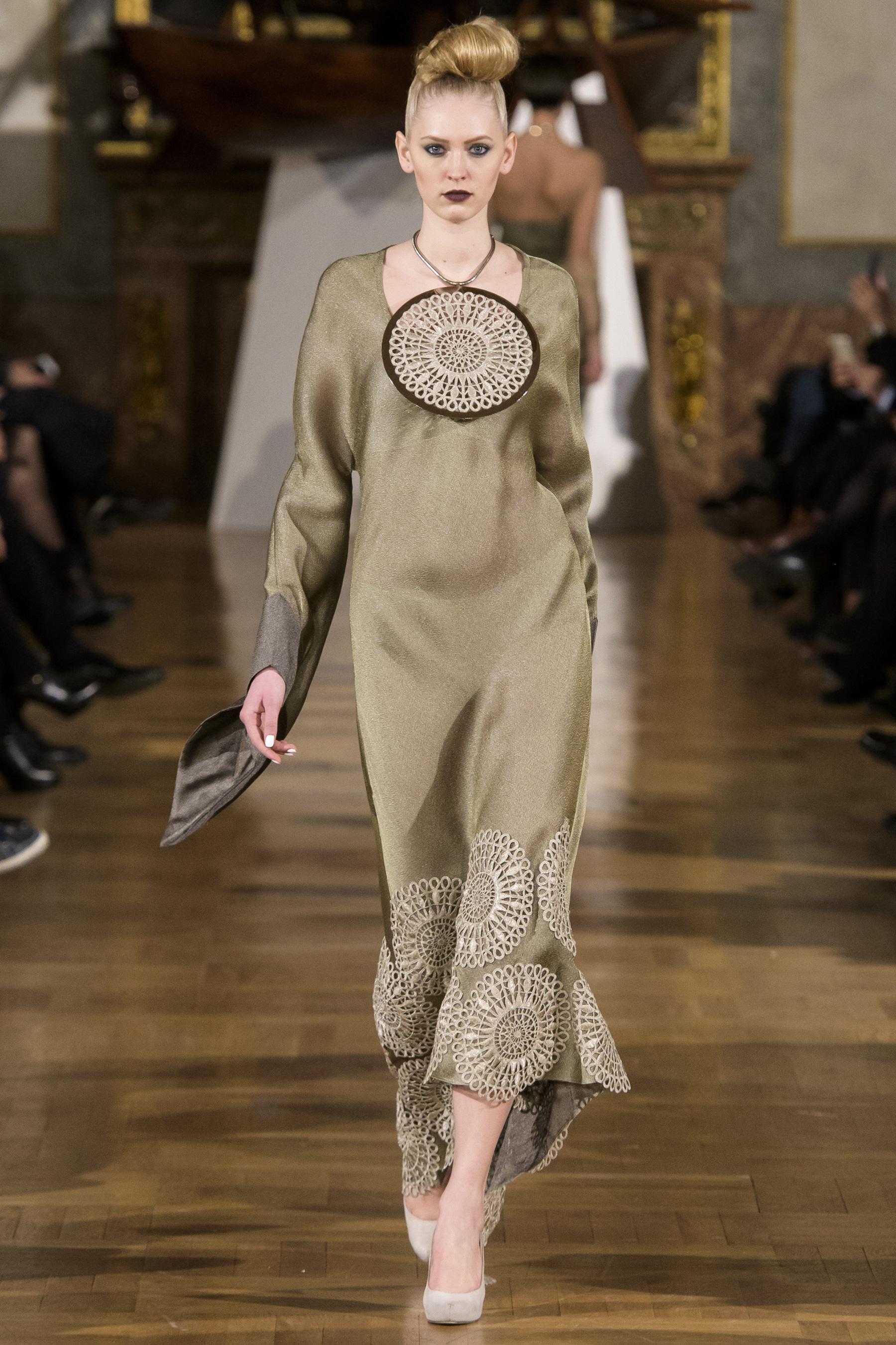 World of Fashion AR RF17 3329