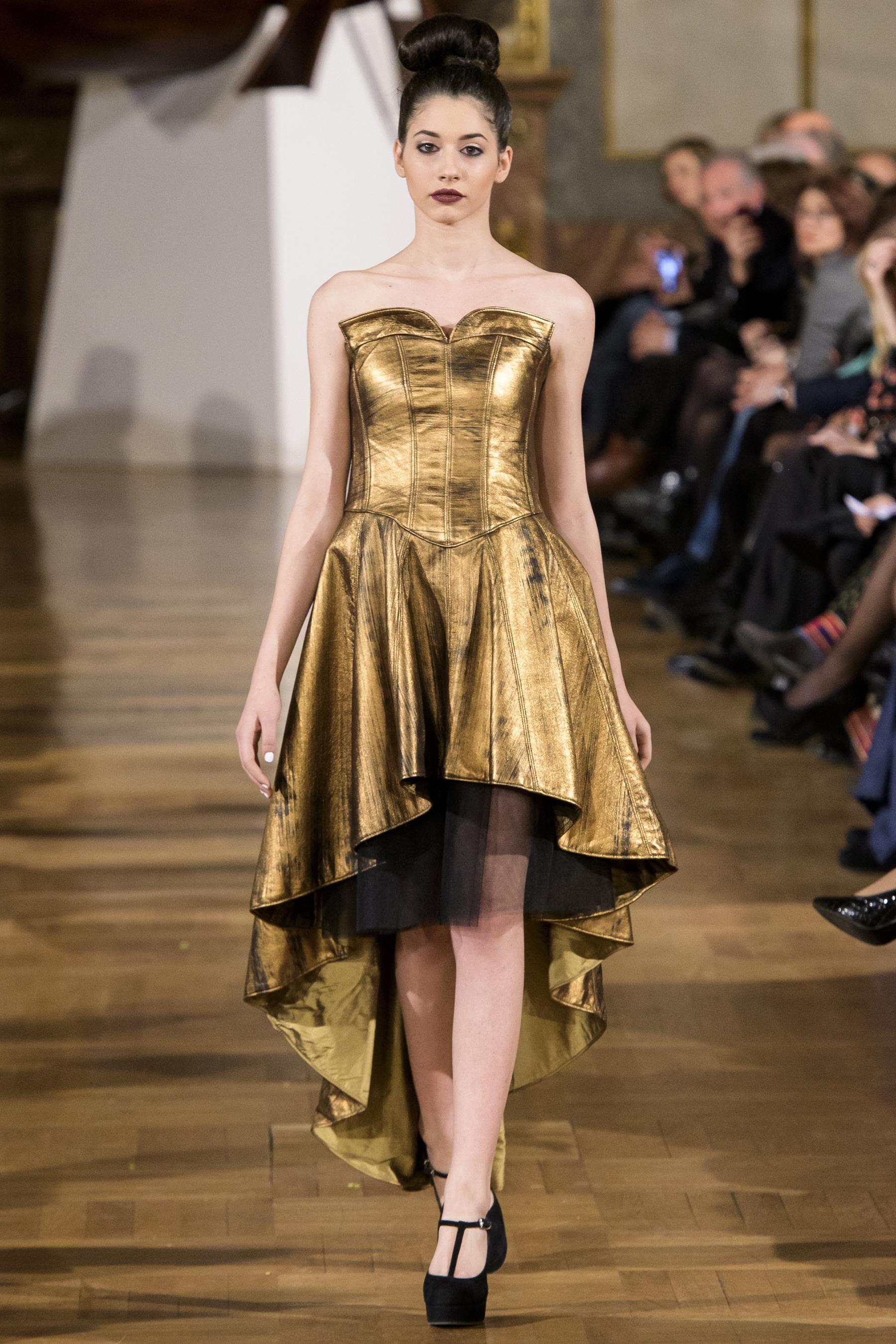 World of Fashion AR RF17 3458