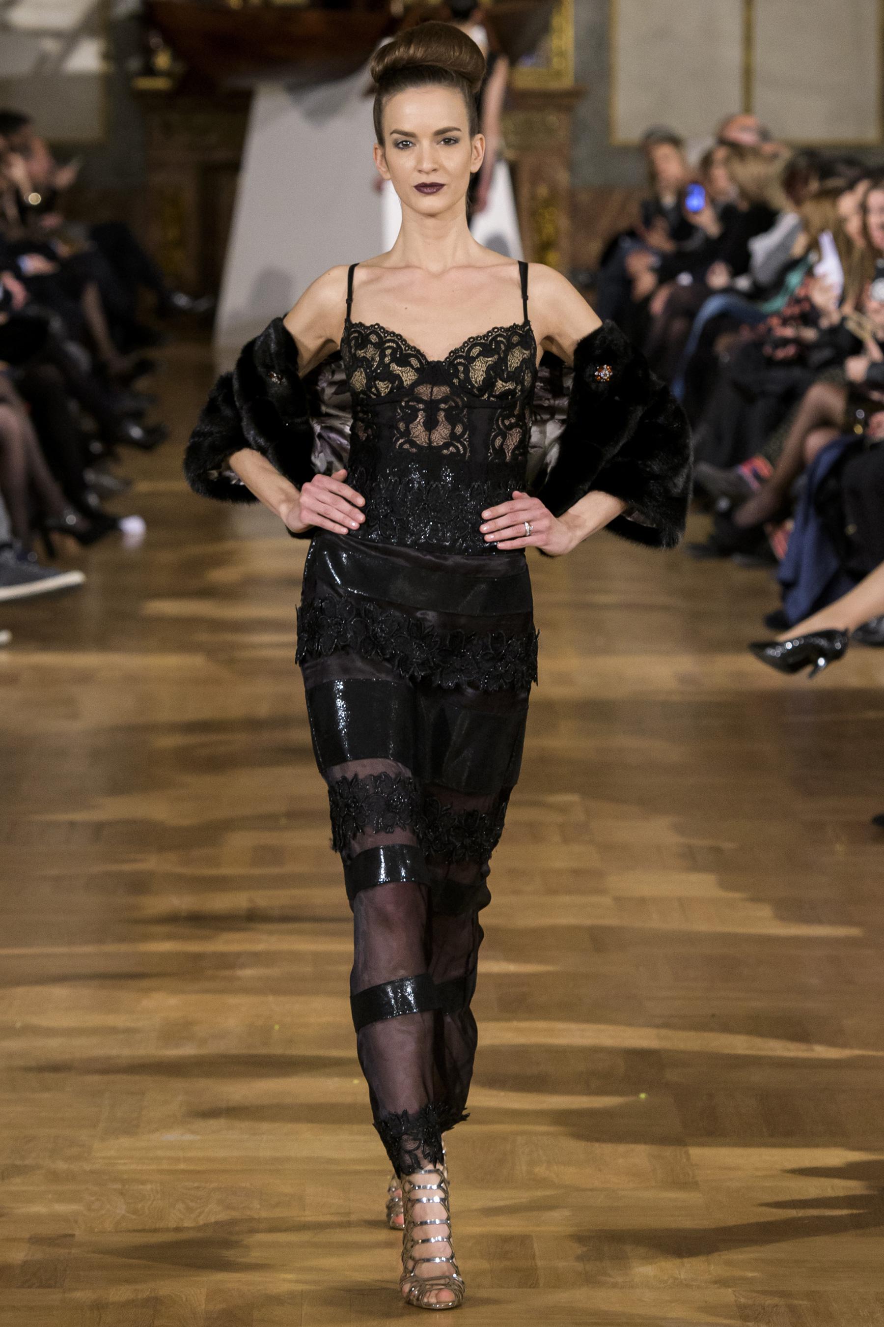 World of Fashion AR RF17 3526