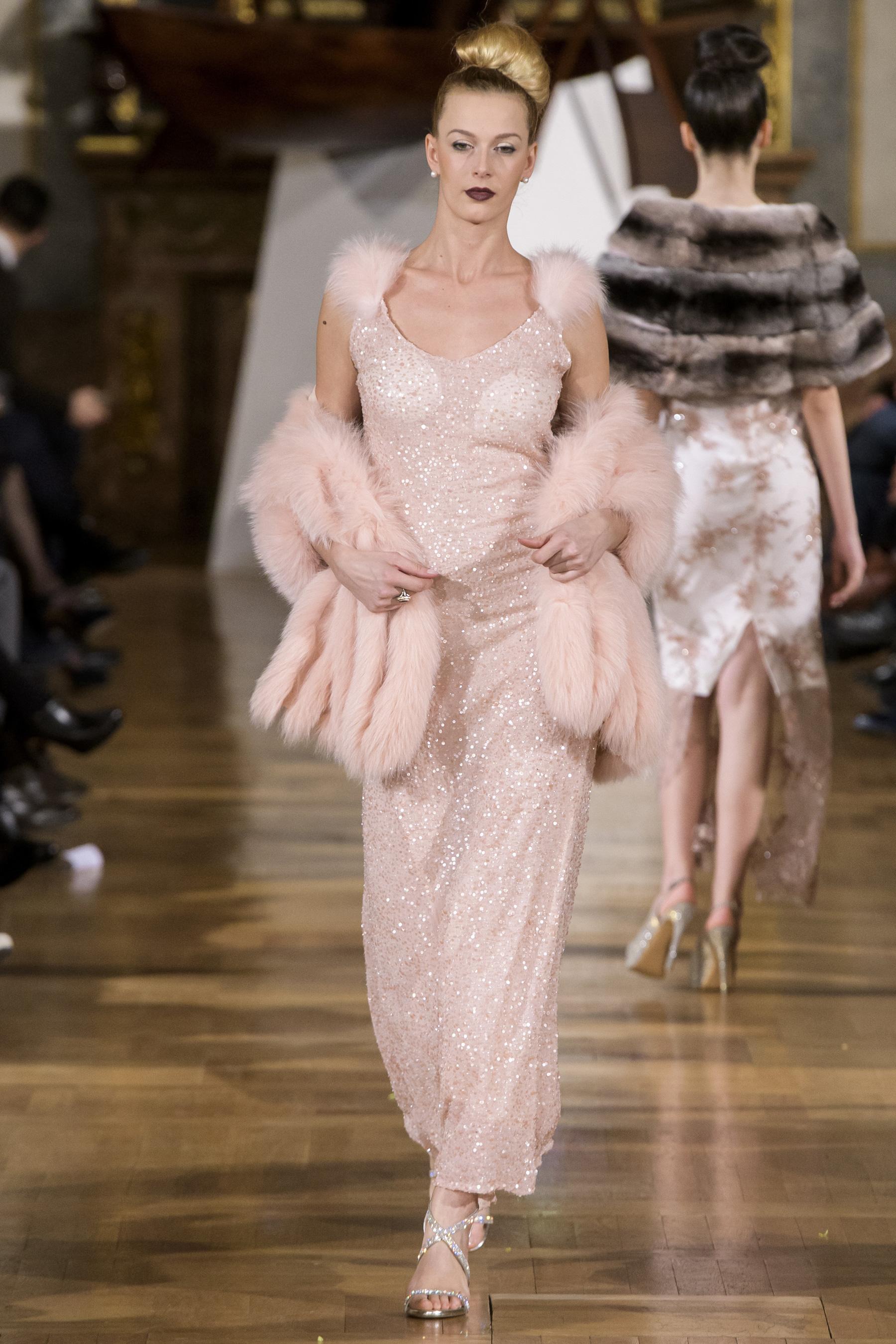 World of Fashion AR RF17 3598