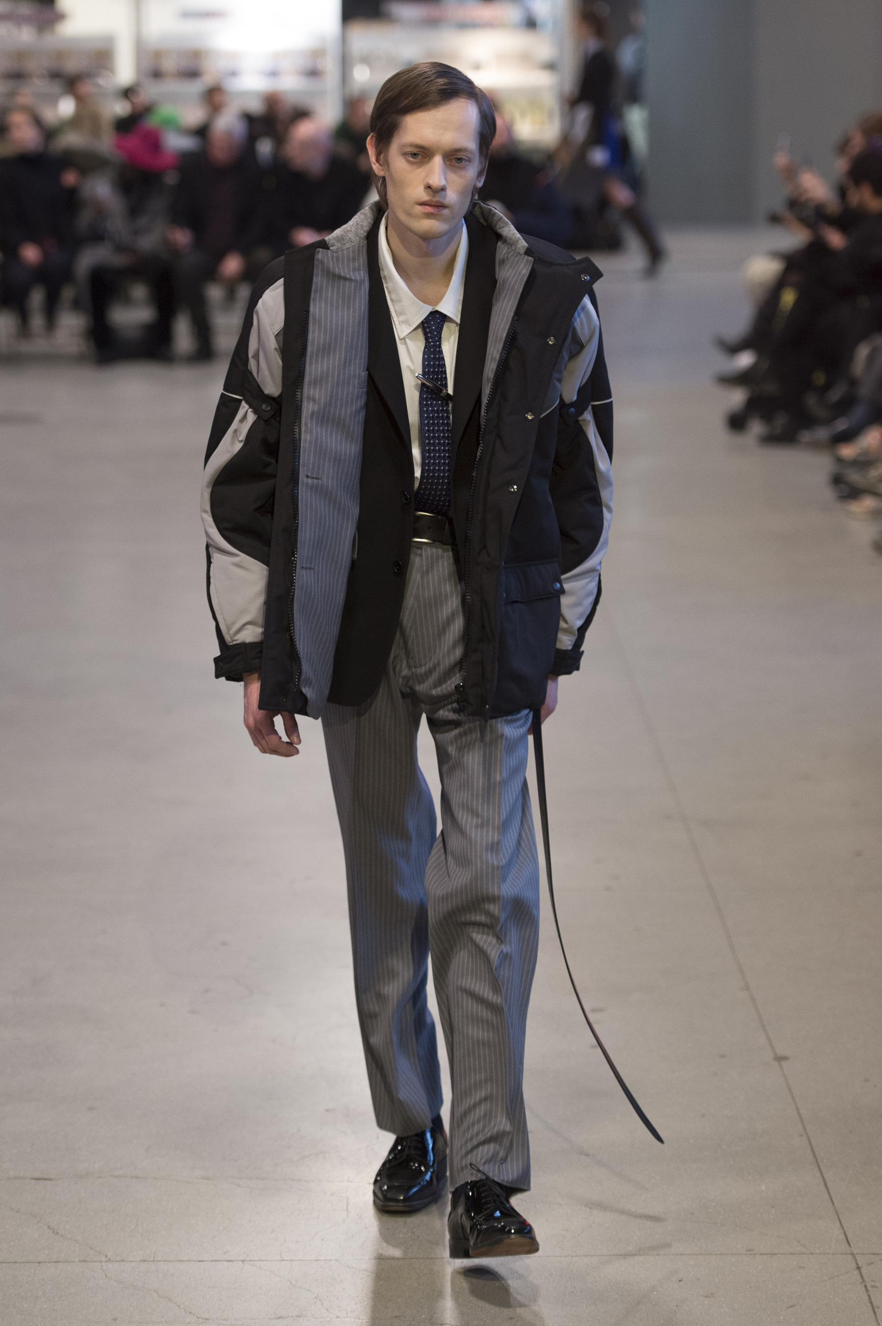 Vetements RF17 0416