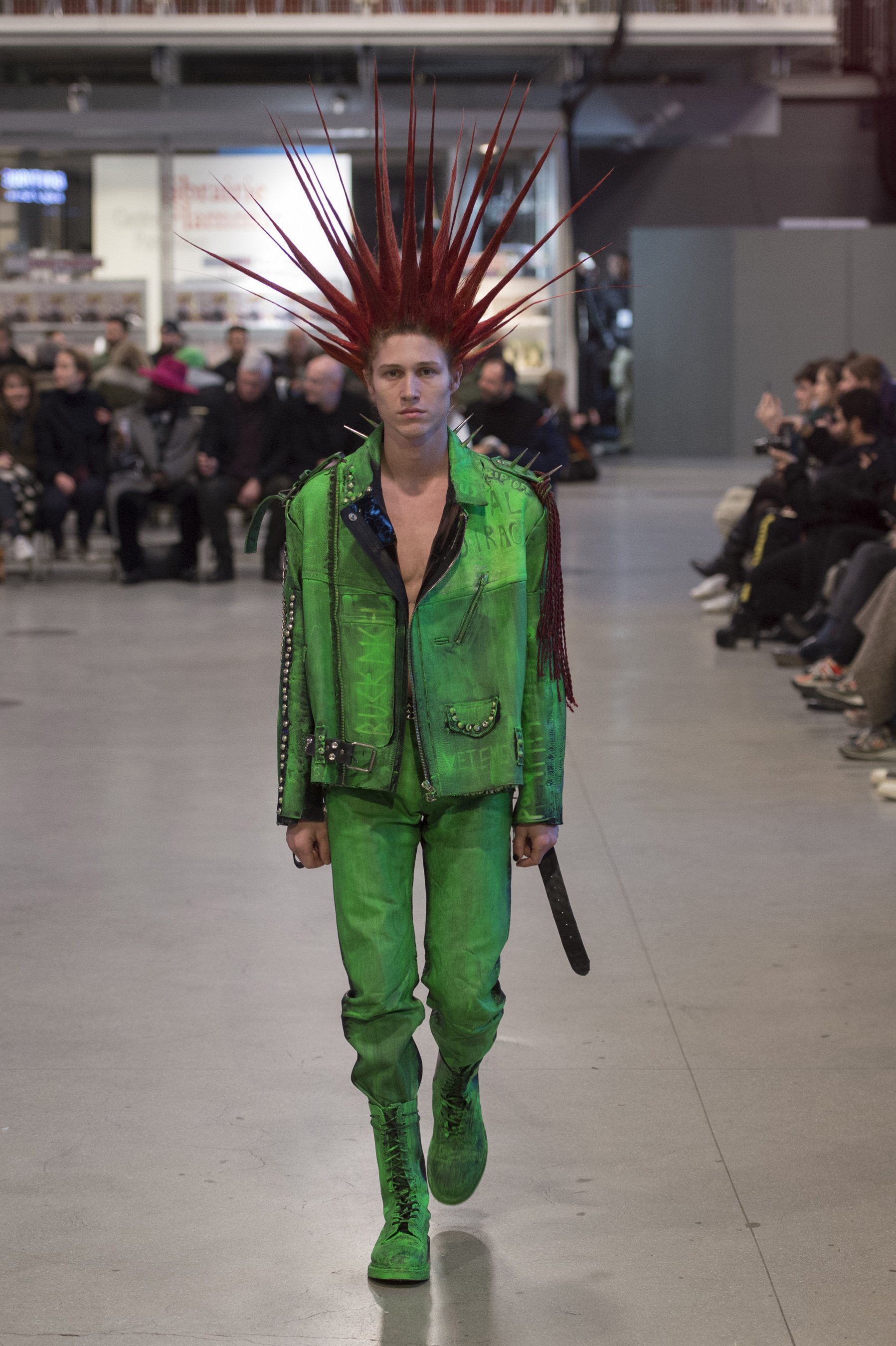 Vetements RF17 0611