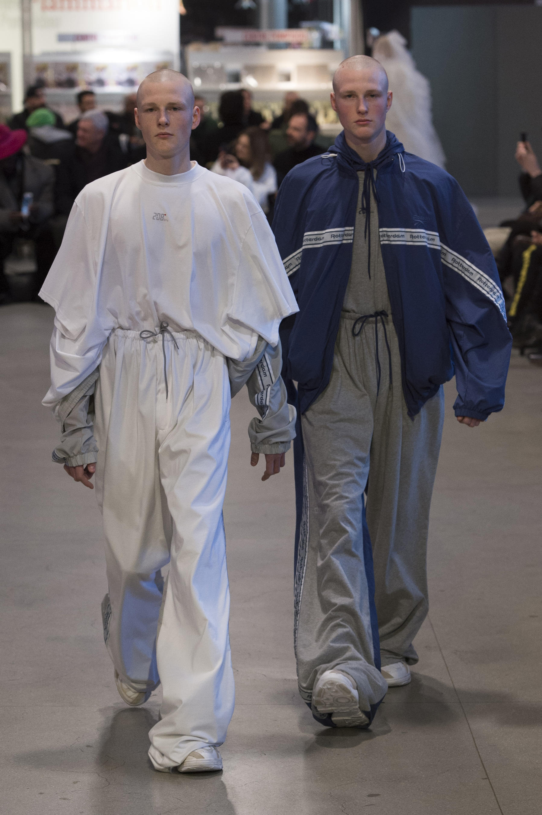 Vetements RF17 0823