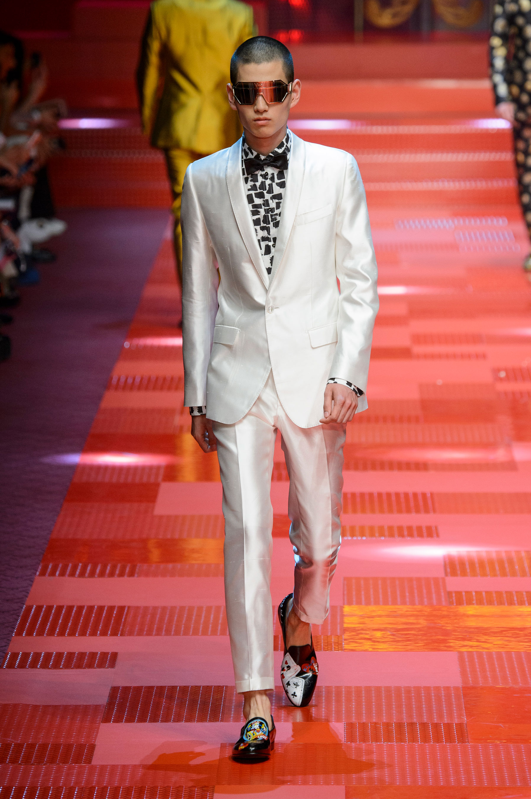 2c256aa9dd90 Dolce & Gabbana Spring 2018 Men's Fashion Show - The Impression