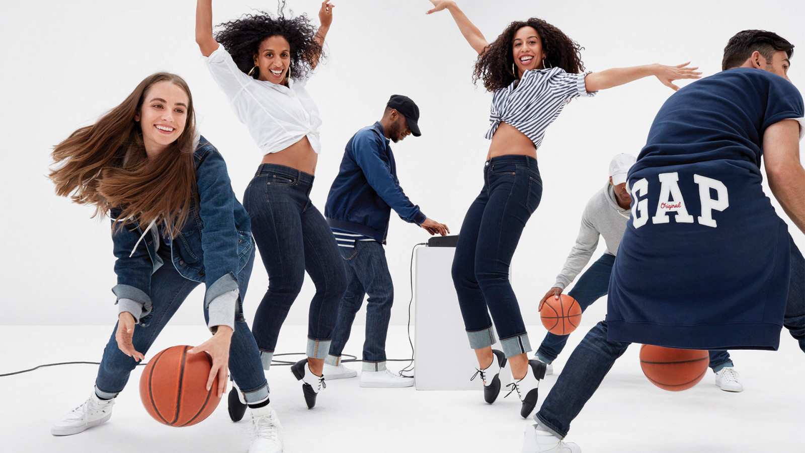 GAP : Extra 50% Off Sale + Additional 10% Off . Use codes FIFTY