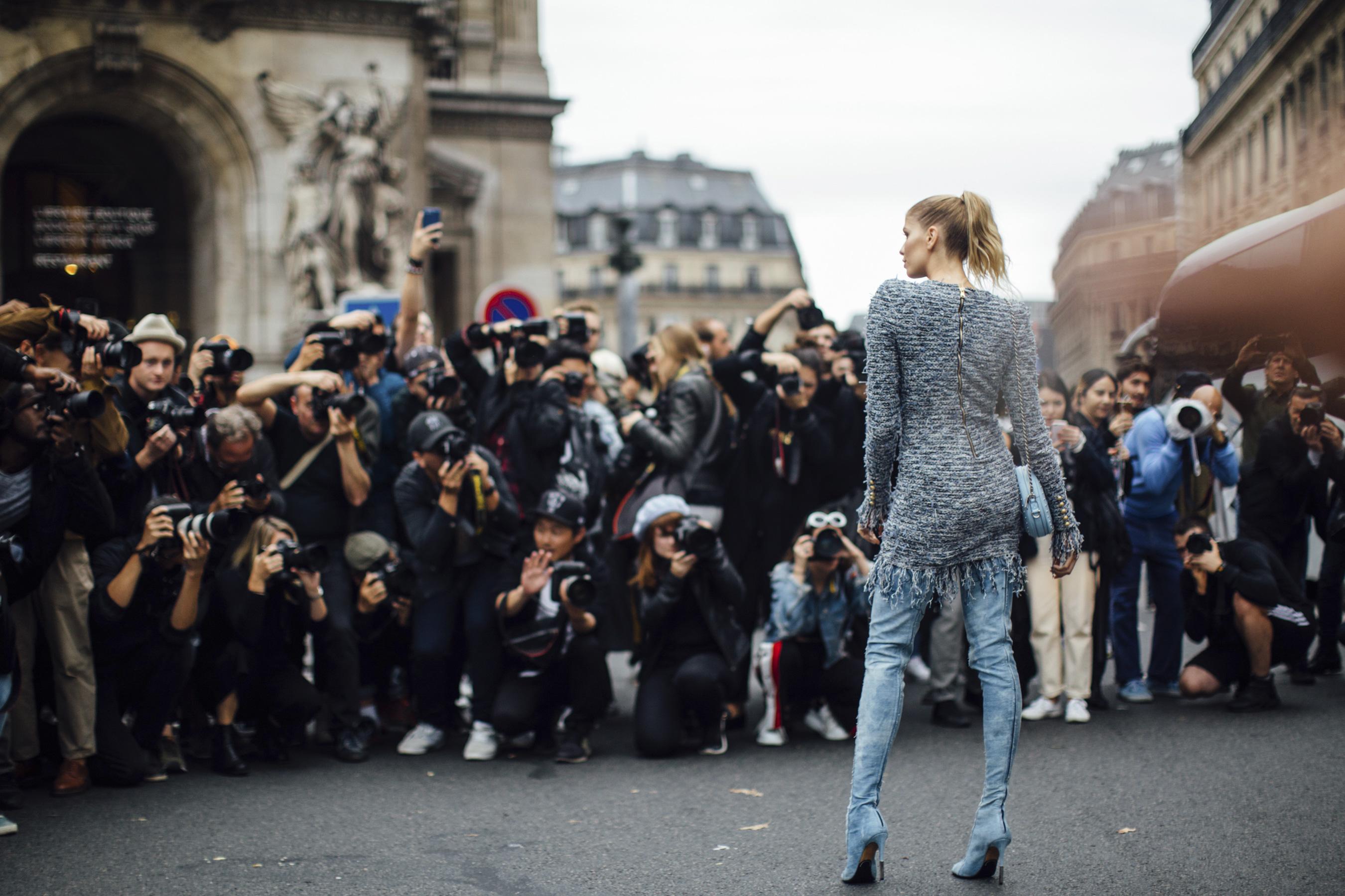 Paris Fashion Week Street Style Spring 2018 Day 3 Cont.