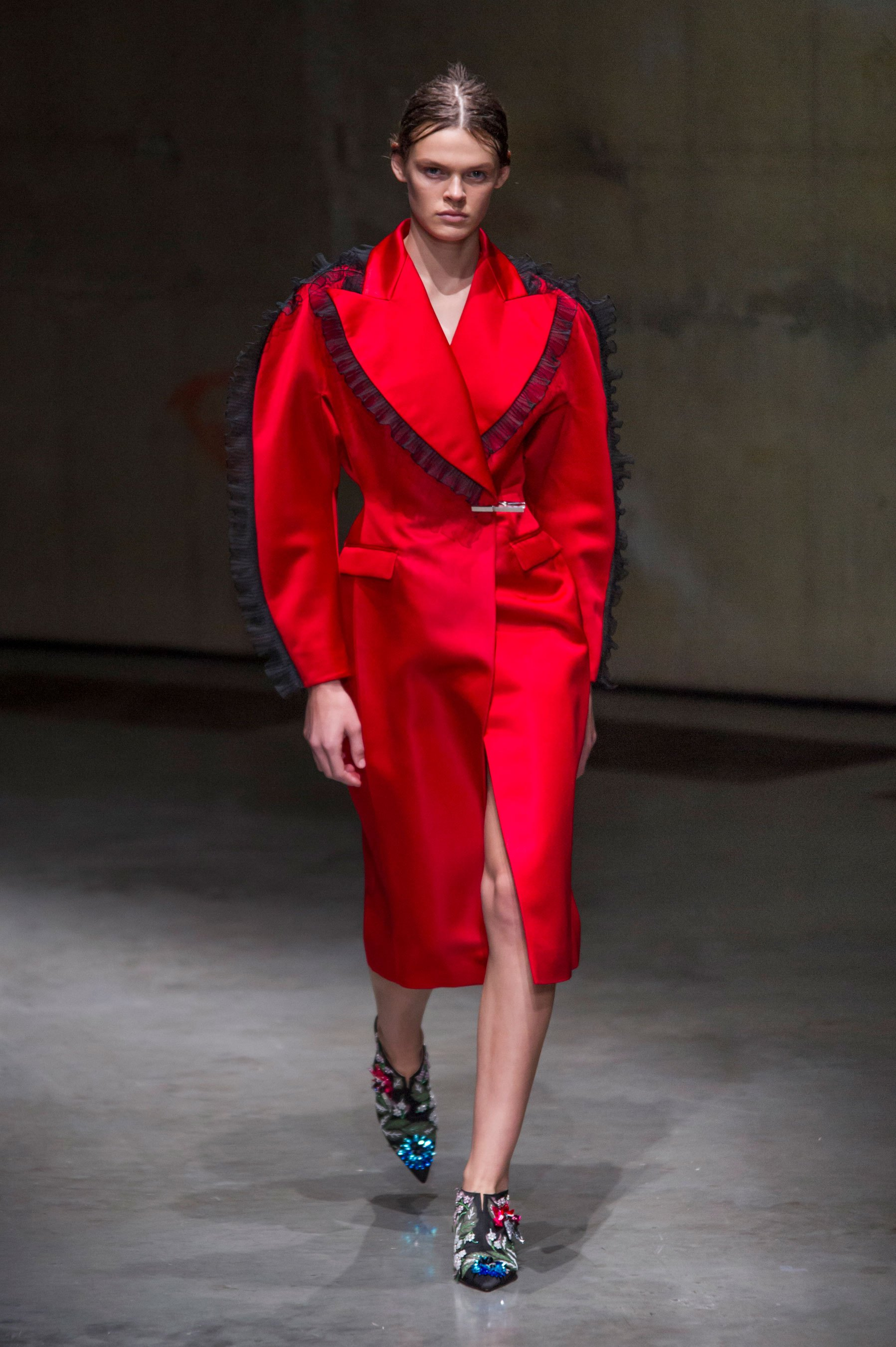Silhouettes - High Waisted & Puff Fashion Trend Spring 2018
