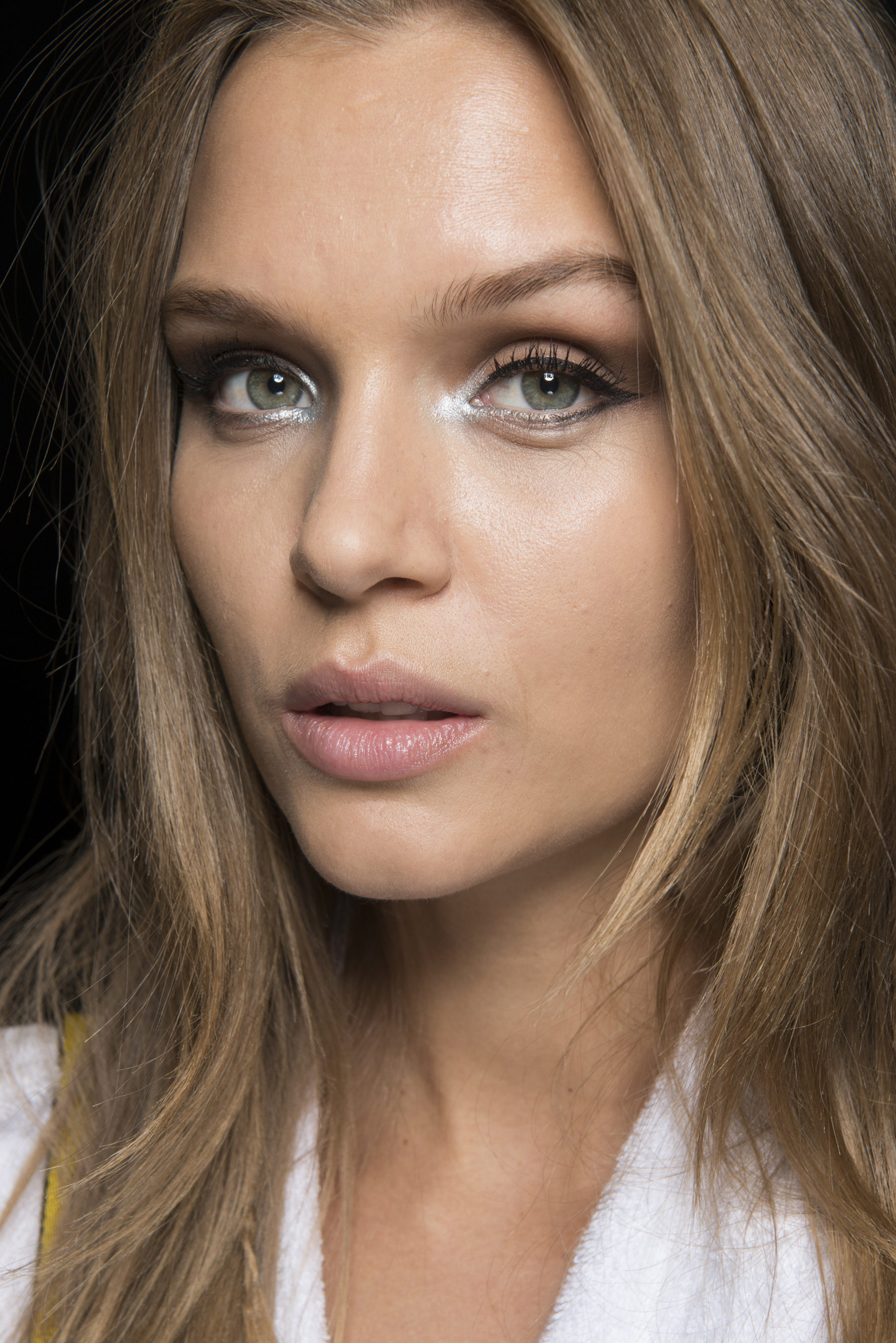Tommy Hilfiger Spring 2018 Fashion Show Backstage Beauty