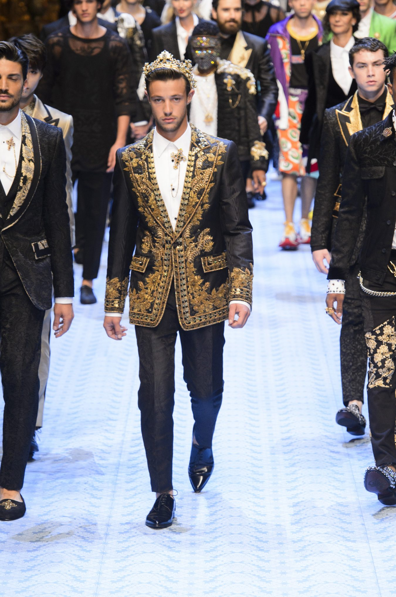 brand new 95e45 f6283 Dolce & Gabbana Spring 2019 Men's Fashion Show - The Impression