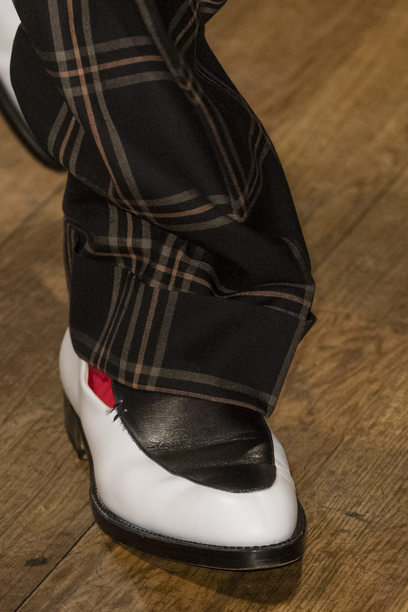 Paul Smith Spring 2019 Men's Fashion Show Details