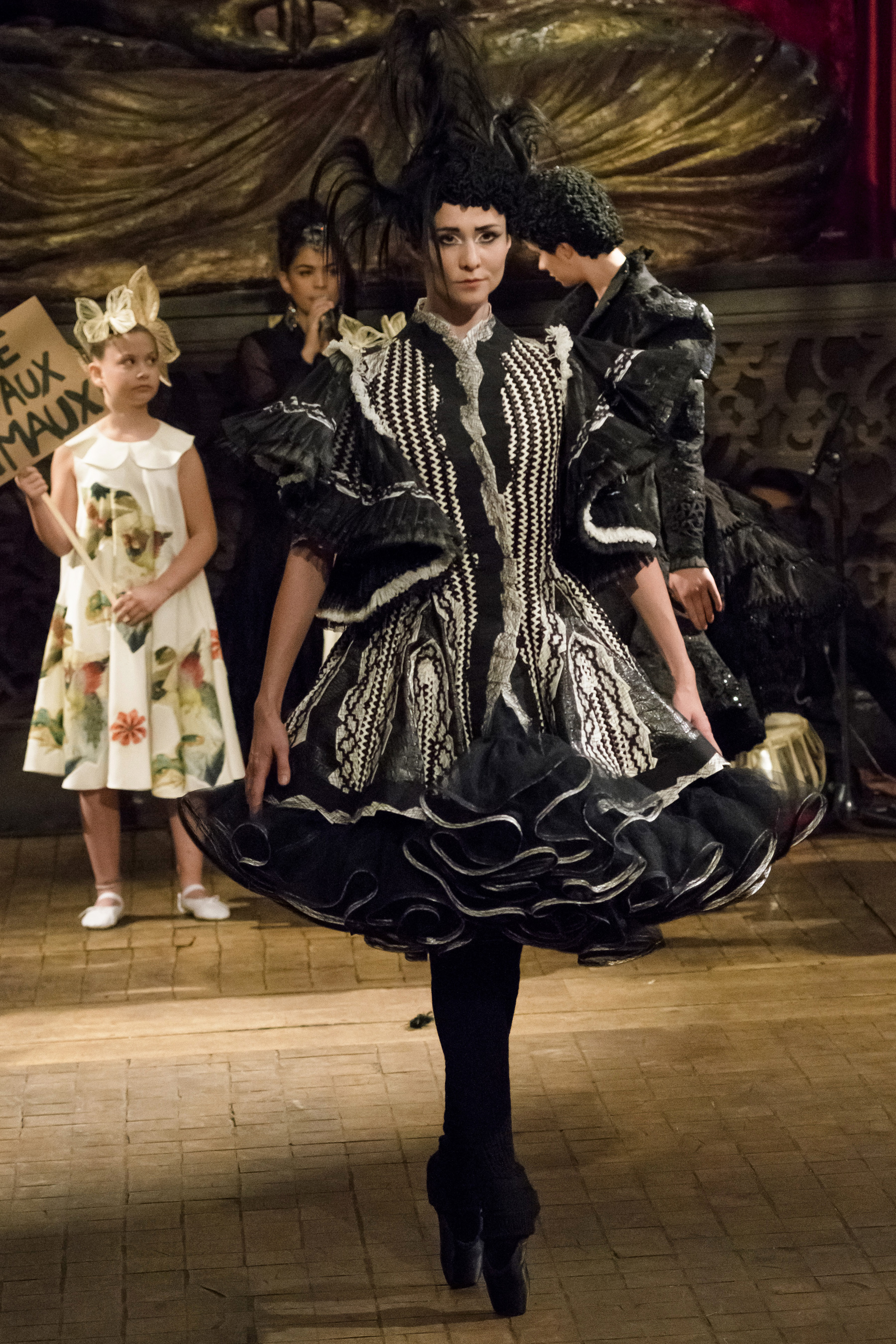 Franck Sorbier Fall 2018 Couture Fashion Show