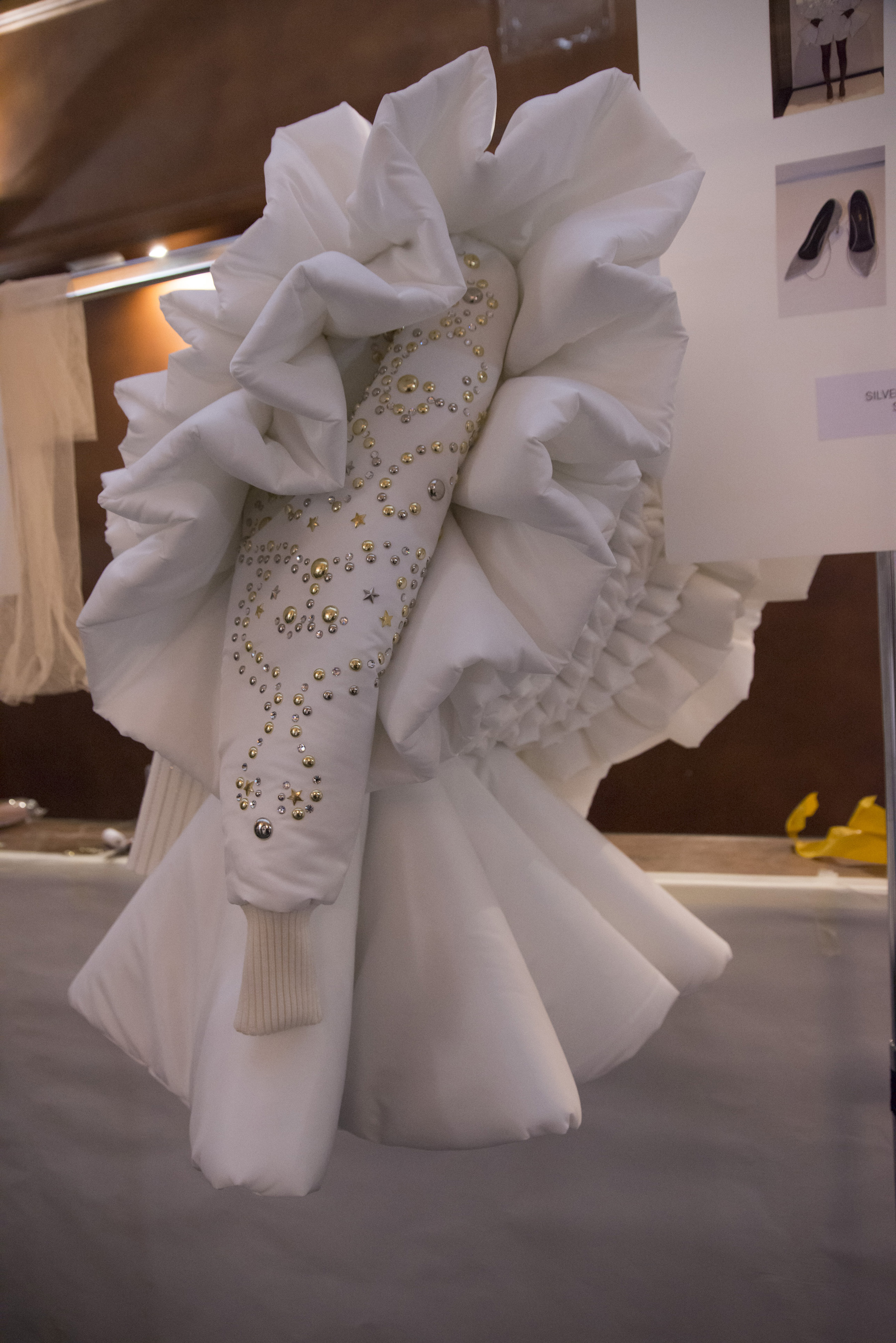 Viktor & Rolf Fall 2018 Couture Fashion Show Backstage