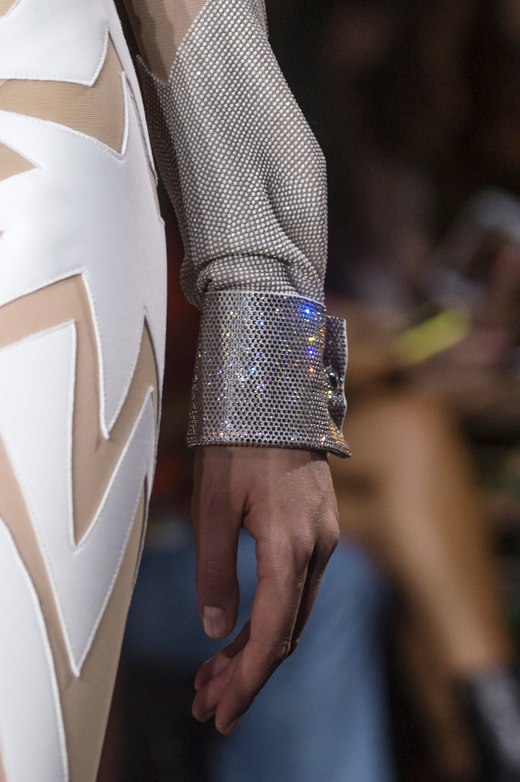 Viktor & Rolf Fall 2018 Couture Fashion Show Details
