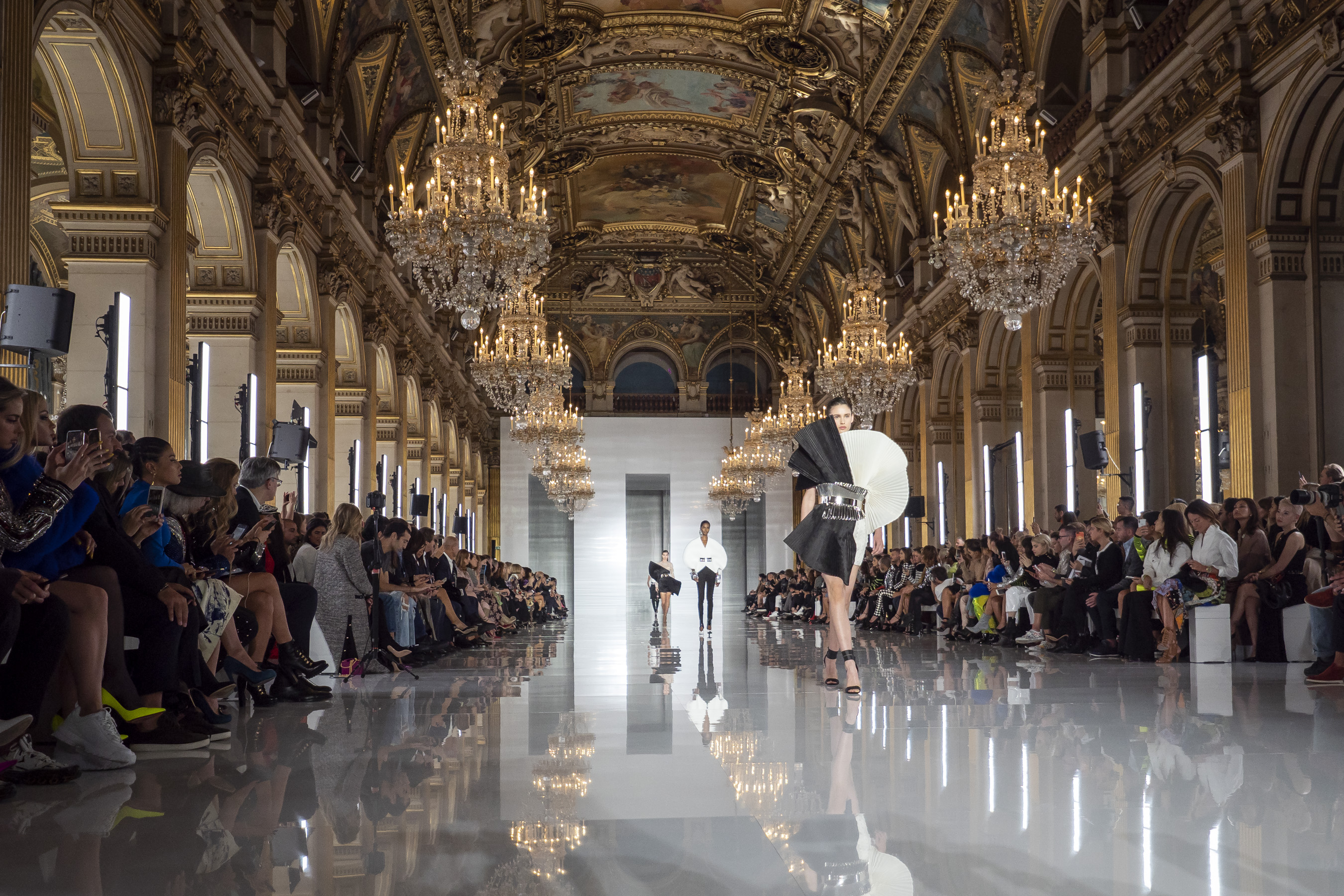 Balmain Spring 2019  Fashion Show Atmosphere