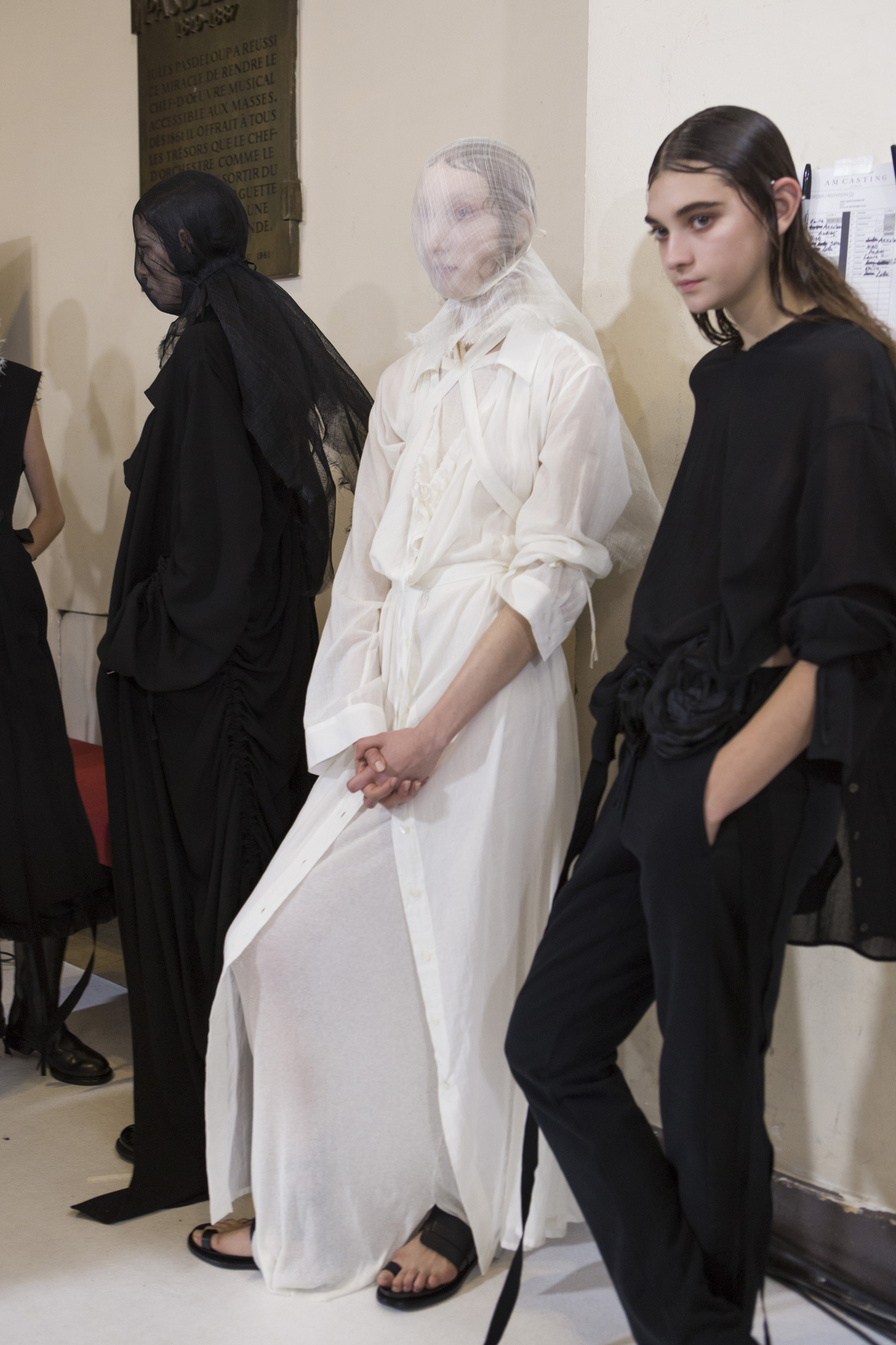 Ann Demeulemeester Spring 2019  Fashion Show Backstage