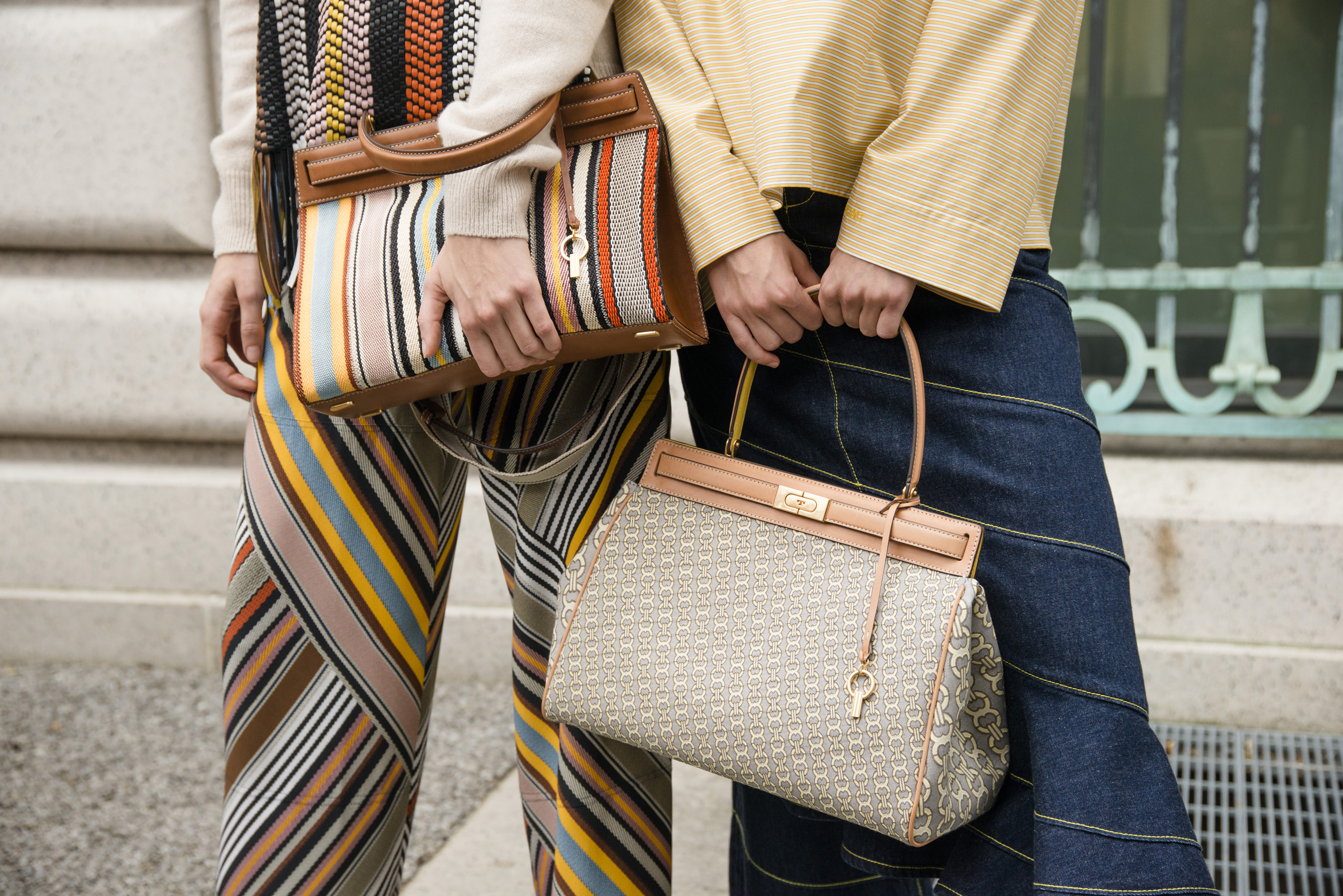 6991b5ea4325 Tory Burch Spring 2019 Fashion Show Backstage Details - The Impression