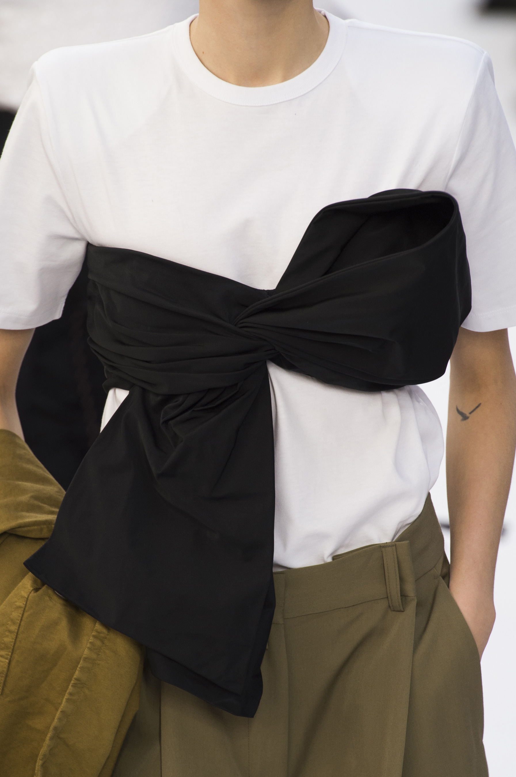 Dries Van Noten  Bis Spring 2019  Fashion Show Details