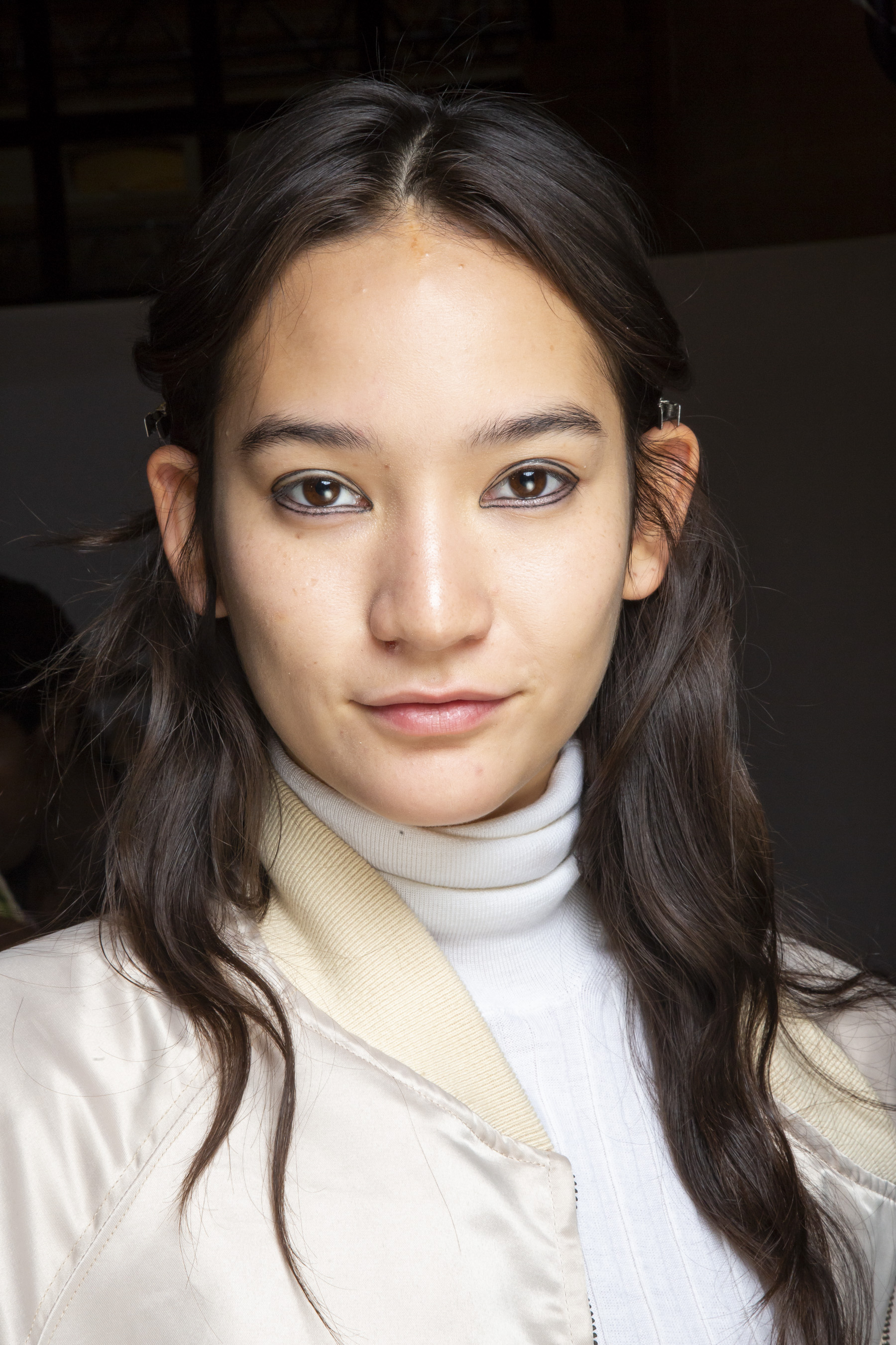 Christian Wijnants Spring 2019 Fashion Show Backstage Beauty