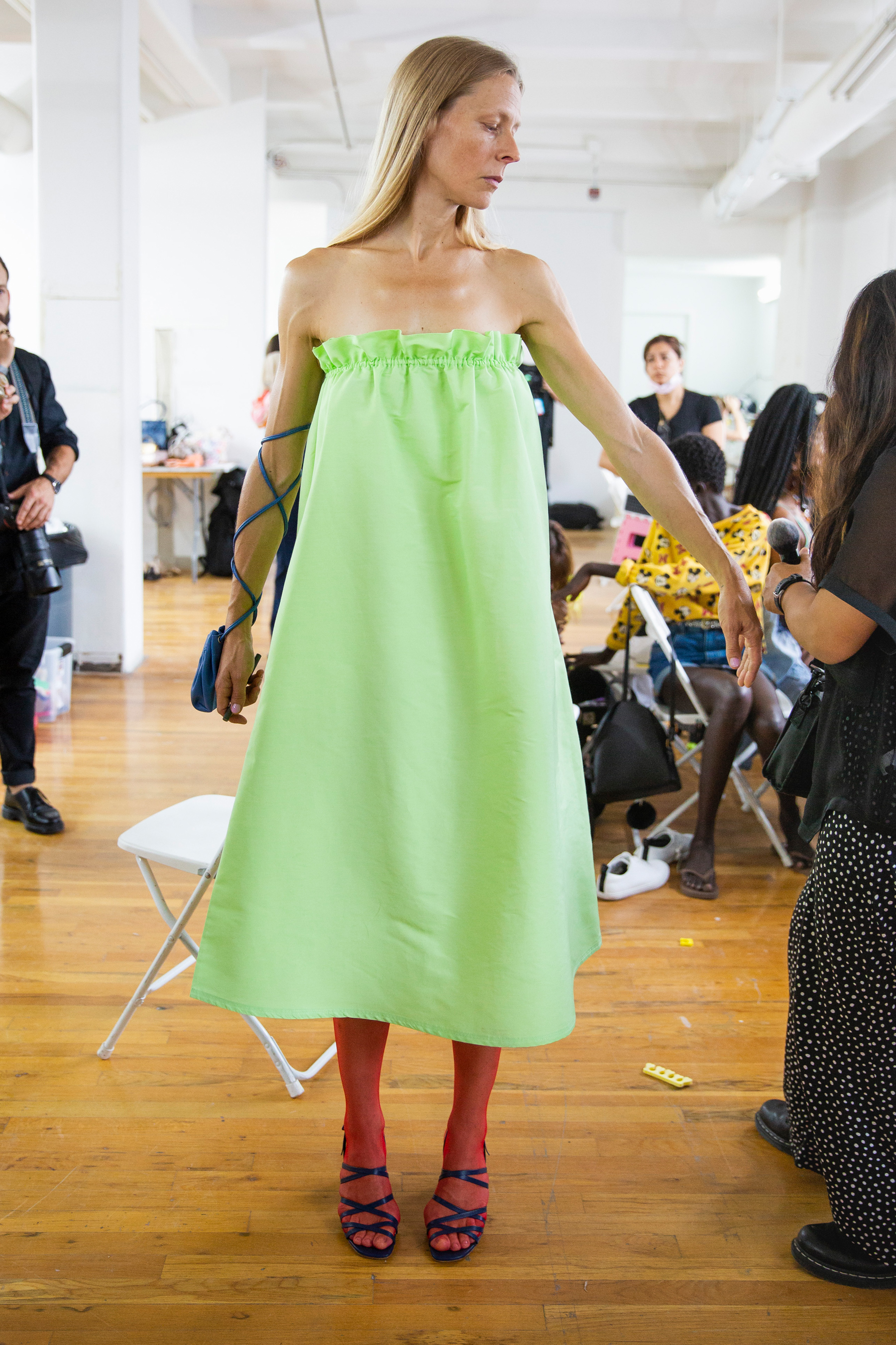 58e5f09bfe1d Maryam Nassir Zadeh Spring 2019 Fashion Show Backstage - The Impression