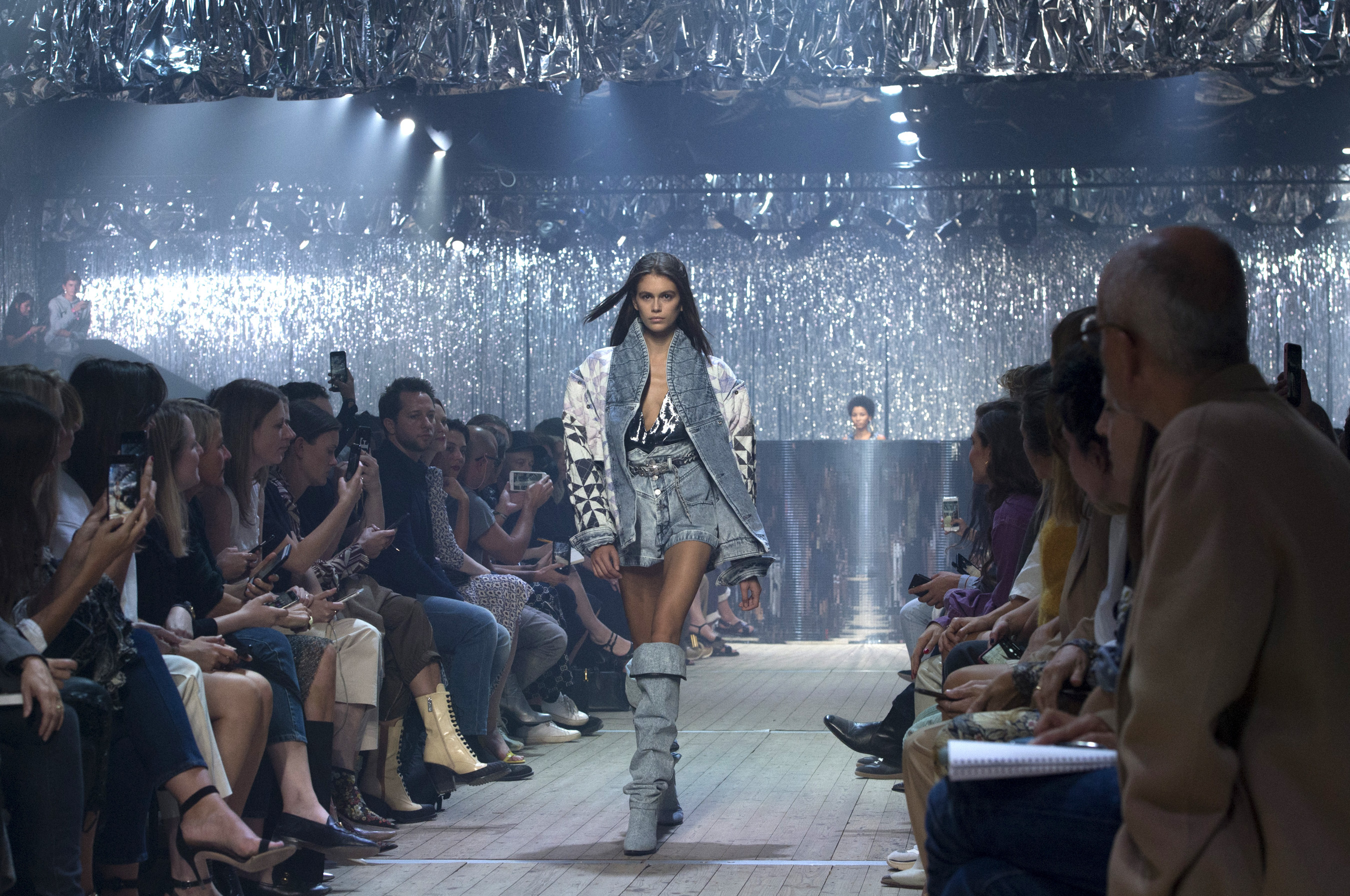 Isabel Marant Spring 2019 Fashion Show Atmosphere Cont.