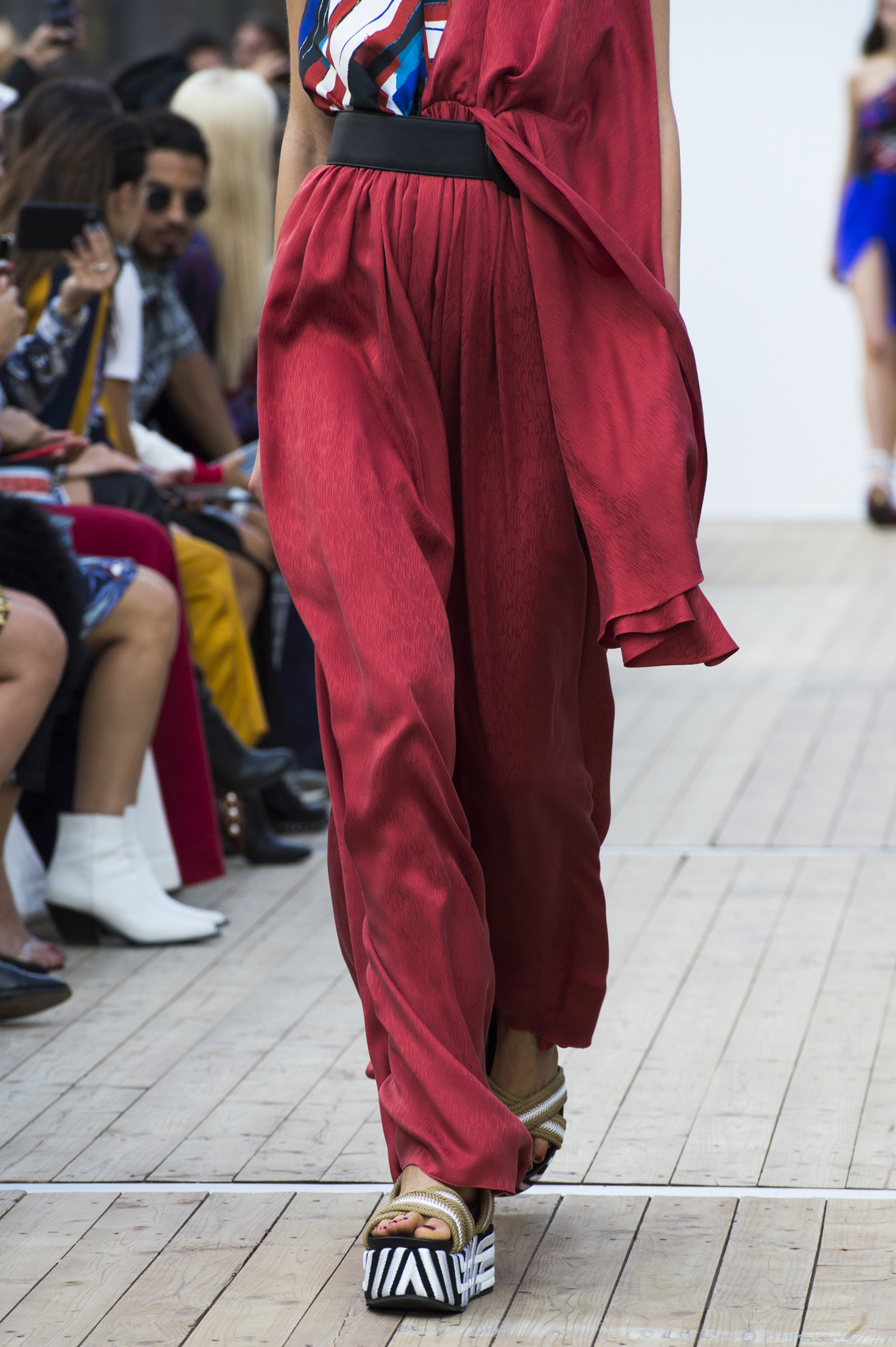 Leonard Paris Spring 2019  Fashion Show Details