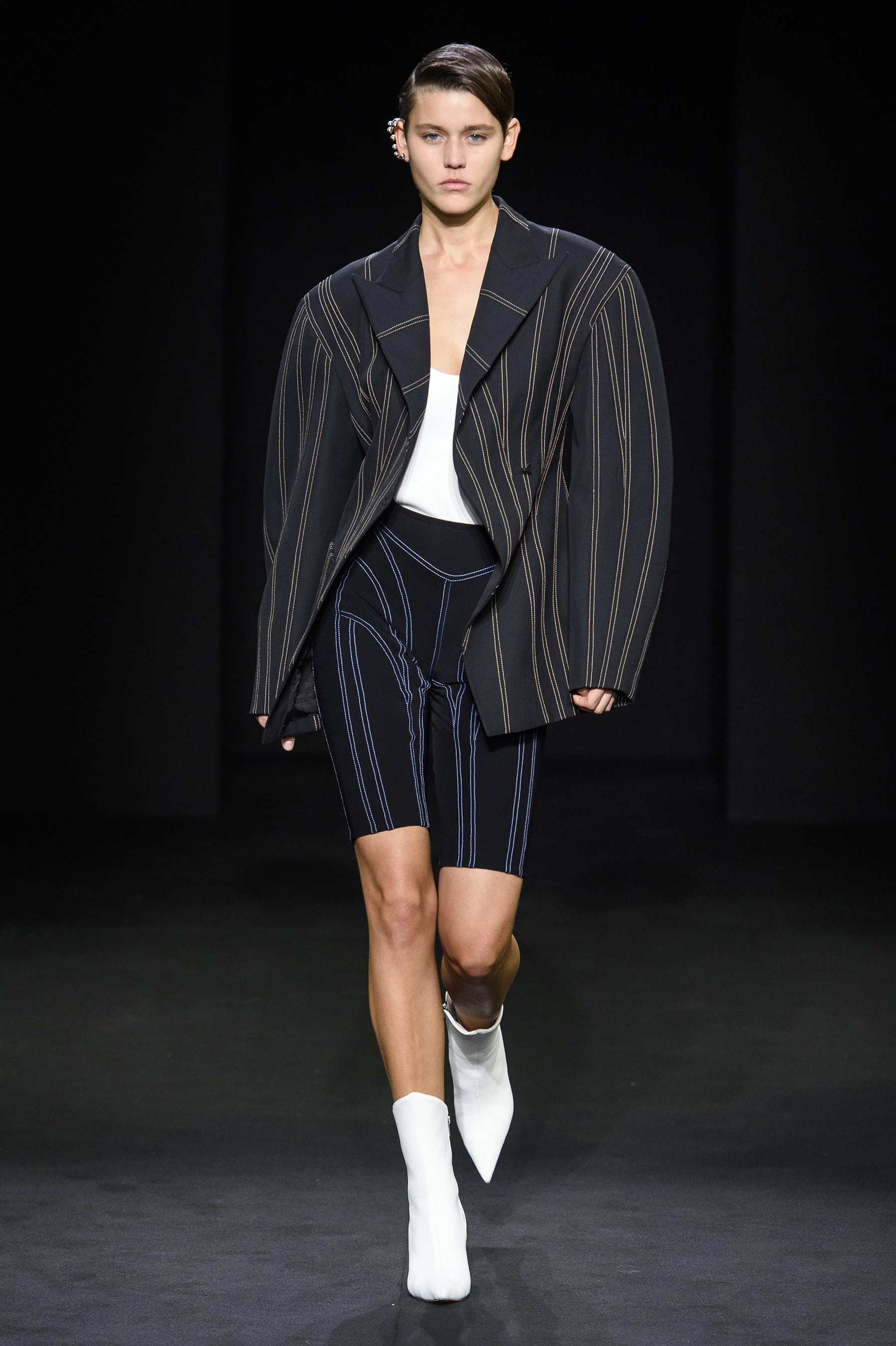 Take Up Arms - Wide Sleeve Fashion Trend Spring 2019
