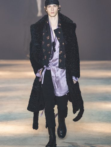 Ann Demeulemeester Fall 2019 Men's Fashion Show