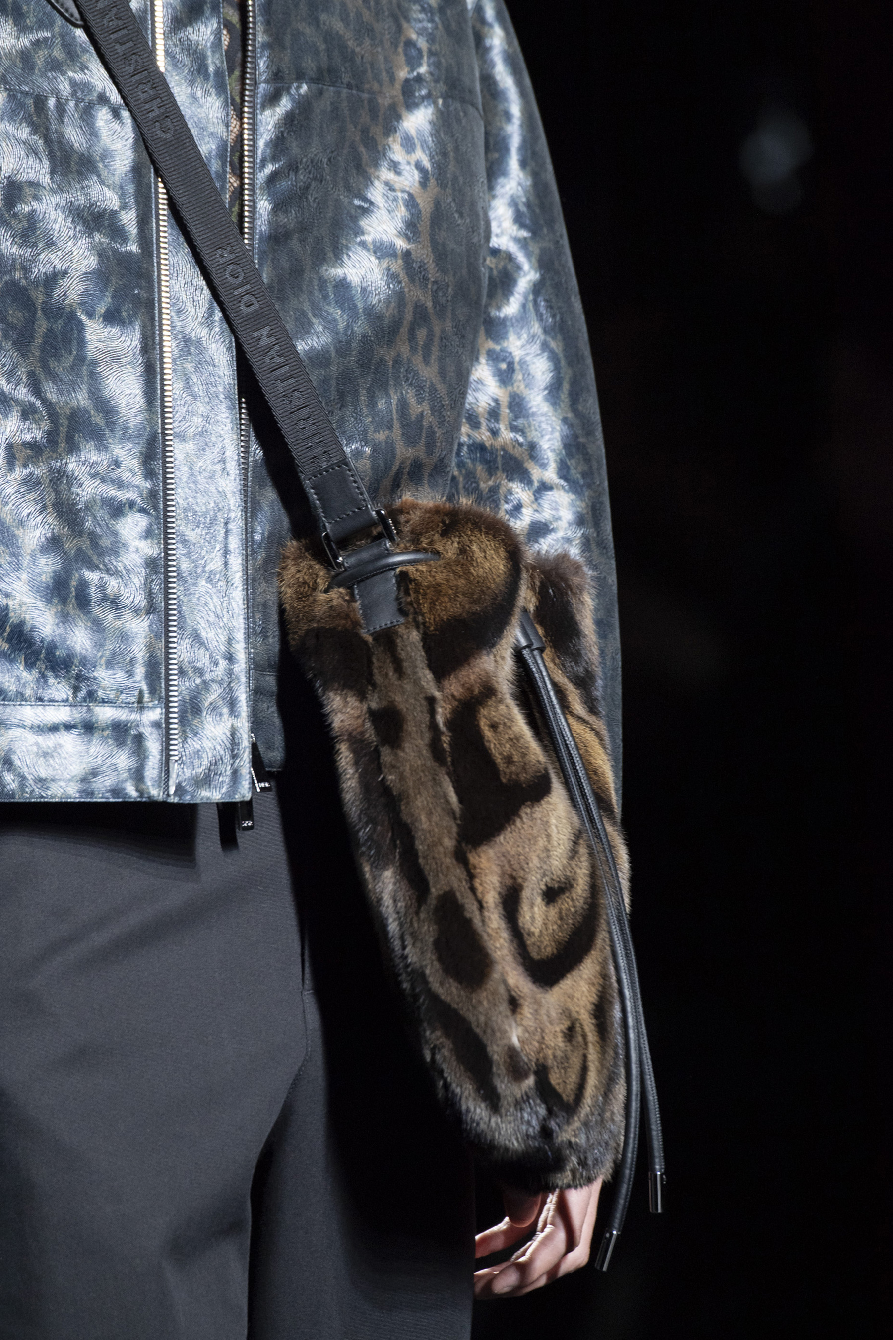 Dior Homme Fall 2019 Men's Fashion Show Details