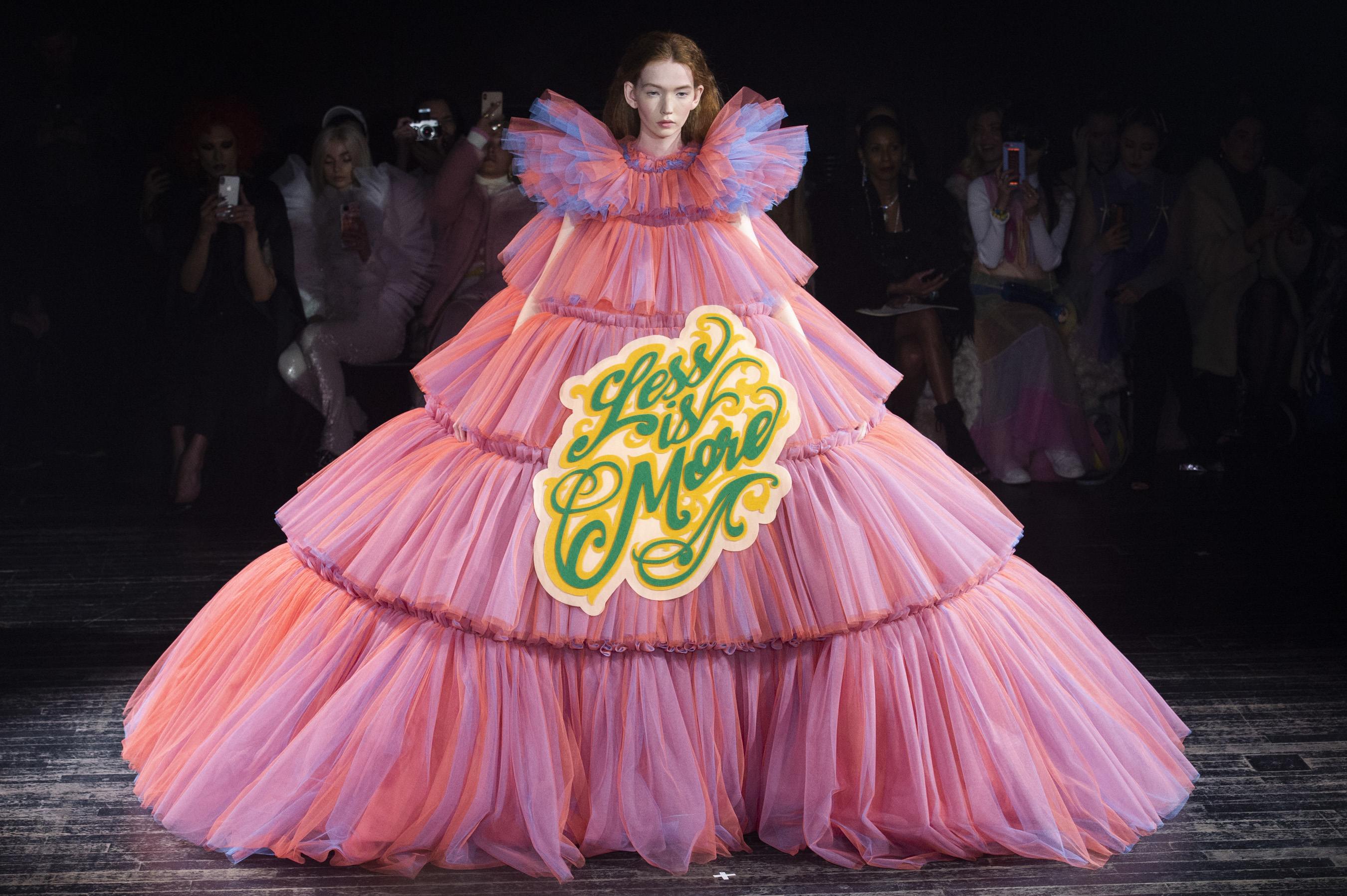 Viktor & Rolf Couture Spring 2019 Fashion Show