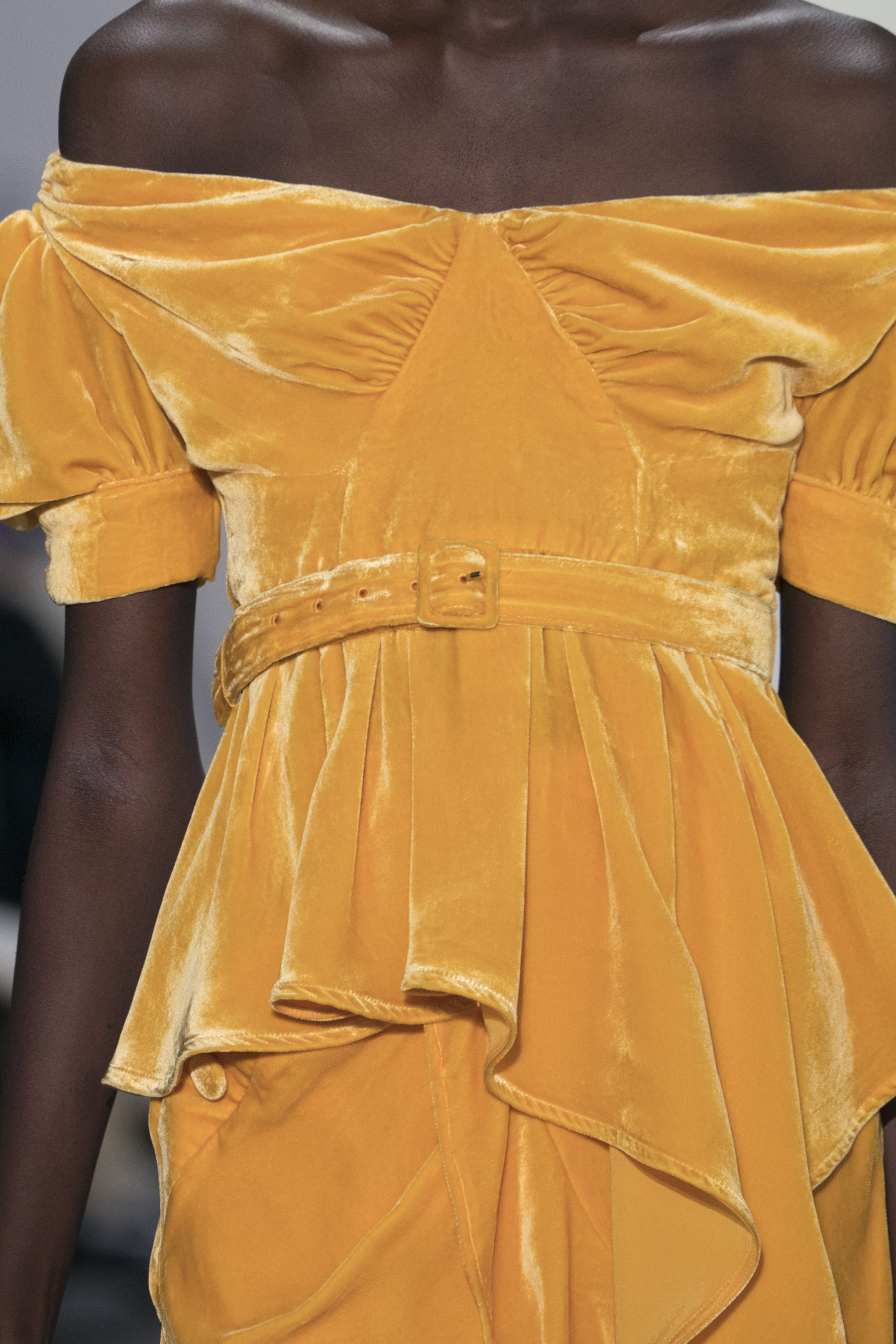 Self-portrait Close Up Fall 2019 Fashion Show Details