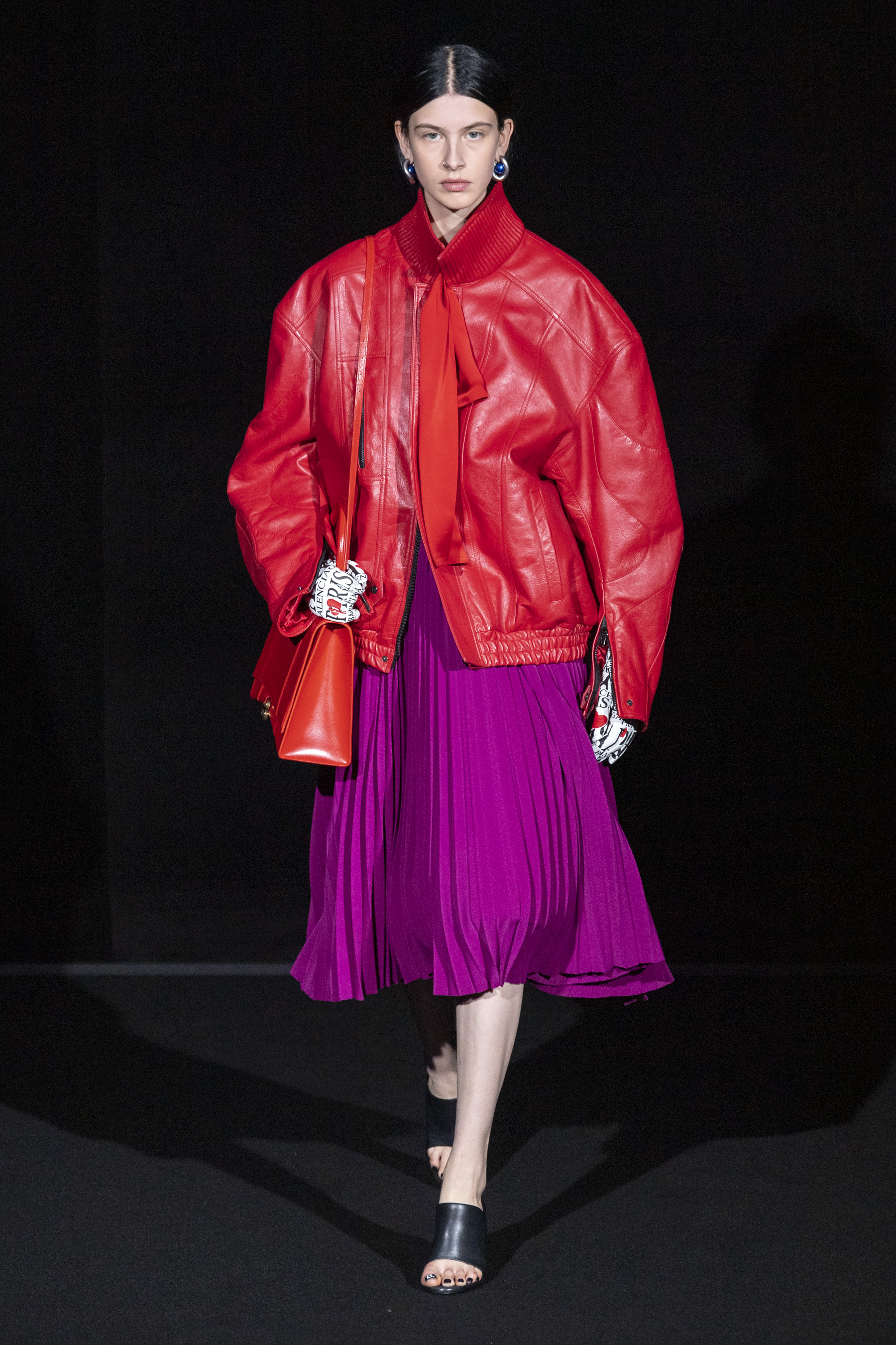 Neon Pink Pop Fall 2019 Womenswear Fashion Trend