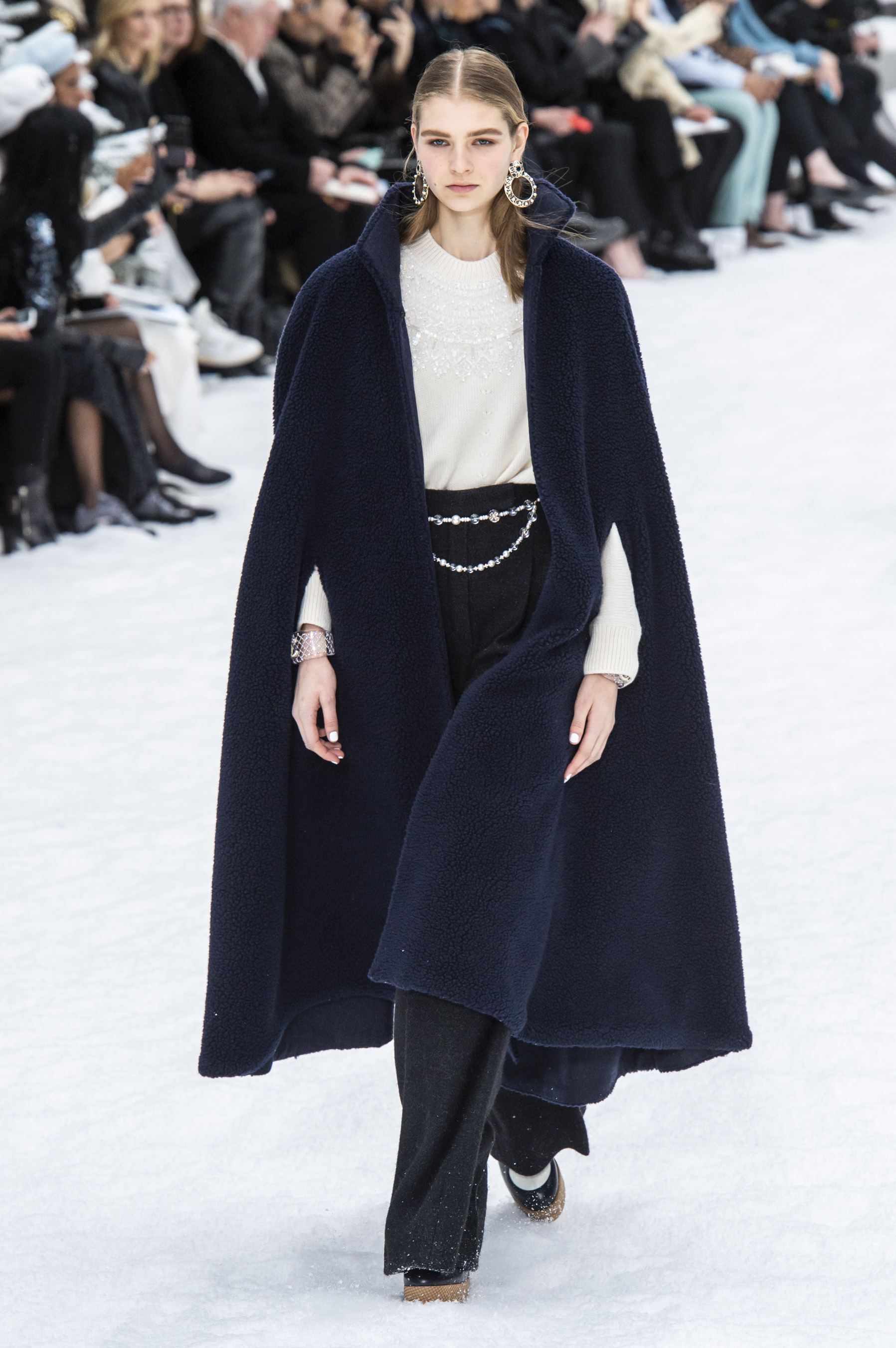 Capes Fall 2019 Womenswear Fashion Trend