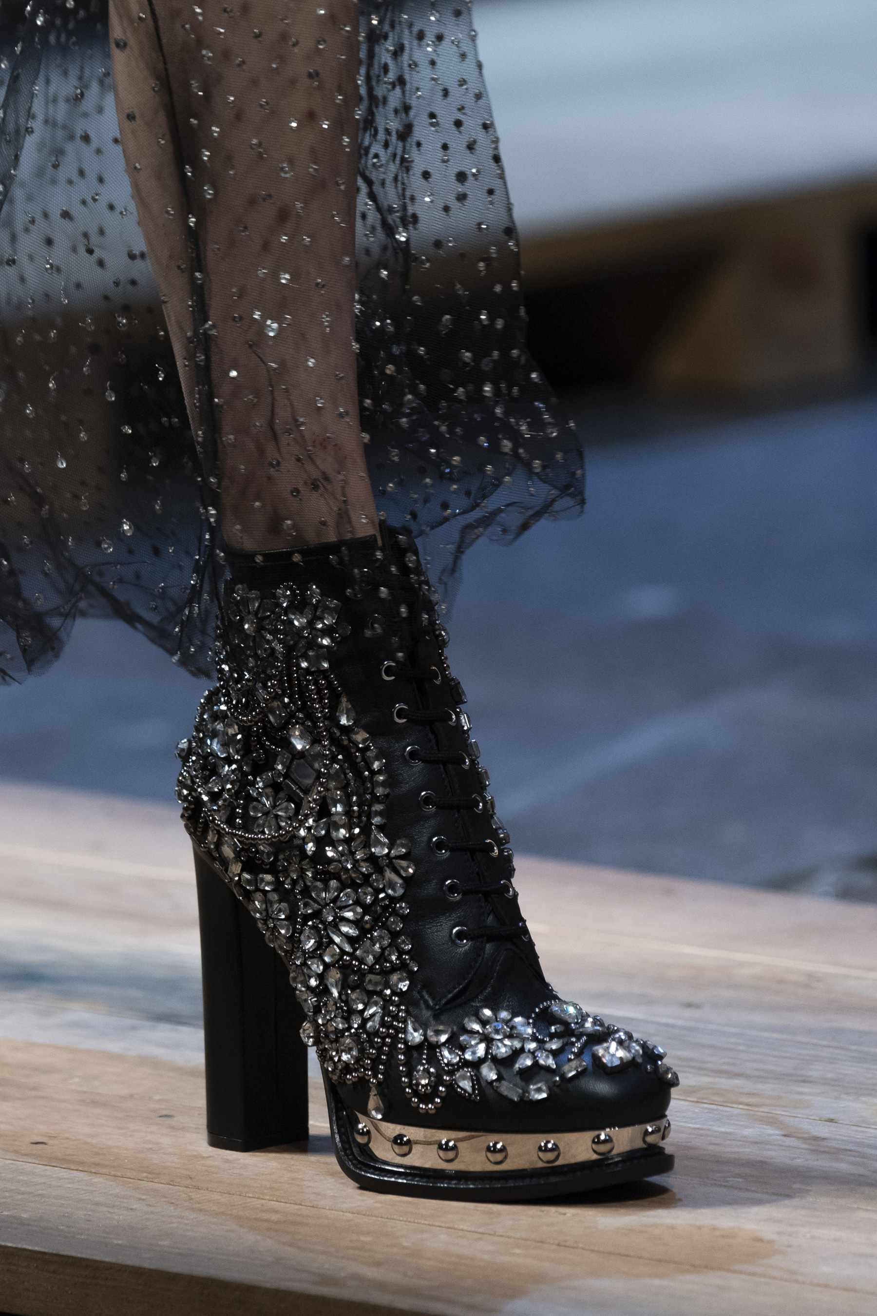 Alexander Mcqueen Fall 2019 Fashion Show Details
