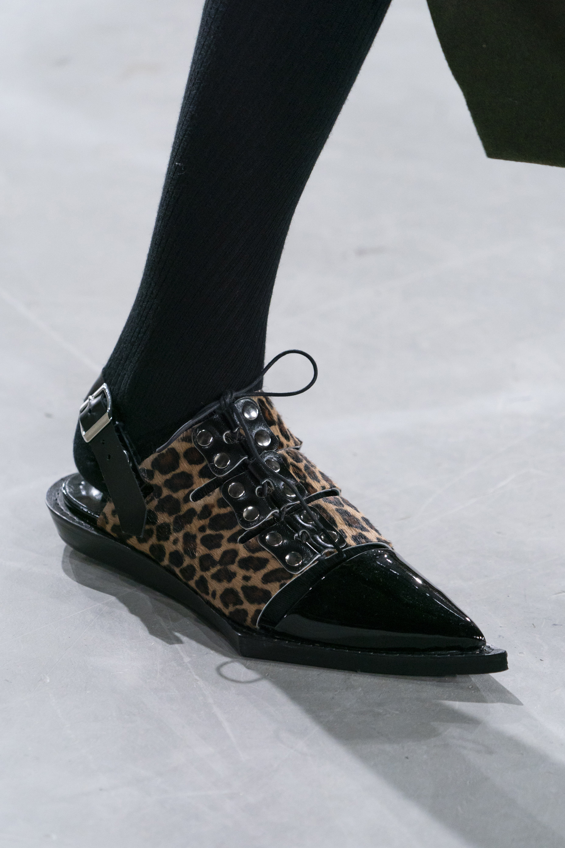Sacai Fall 2019 Fashion Show Details