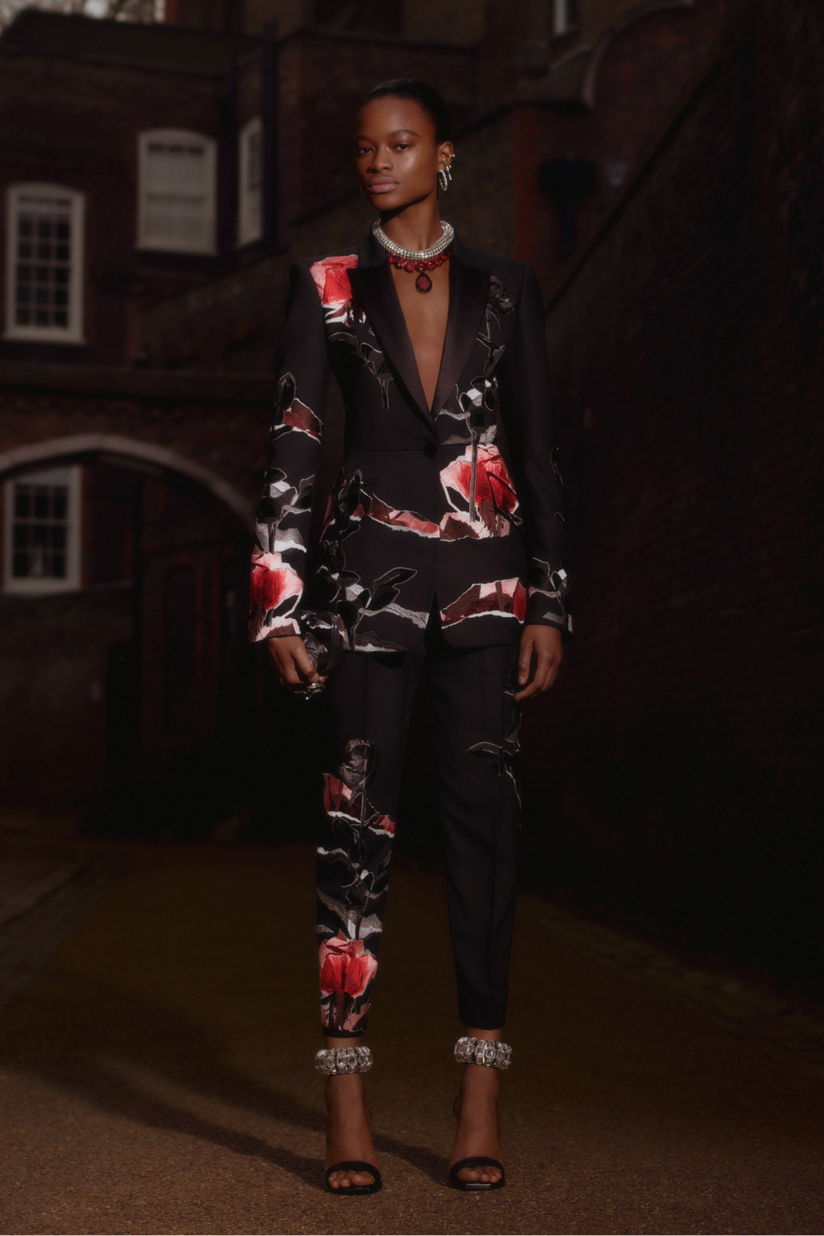 Alexander McQueen Pre-Fall 2019 Collection