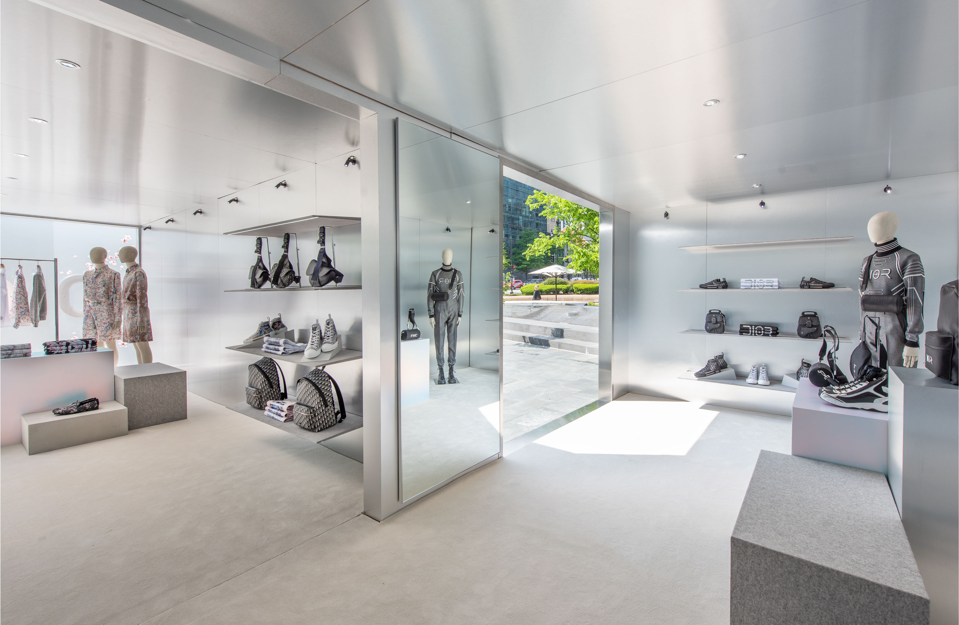 Dior Opens A Series of Pre-Fall 2019 Men's Collection Pop-Ups