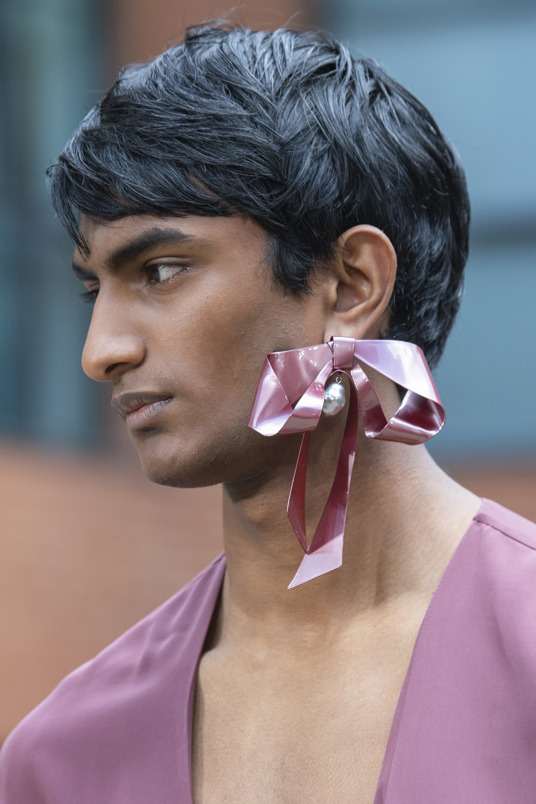 Edward Crutchley Spring 2020 Men's Fashion Show Details
