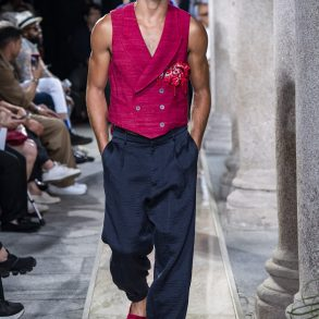 Giorgio Armani Spring 2020 Men's Fashion Show