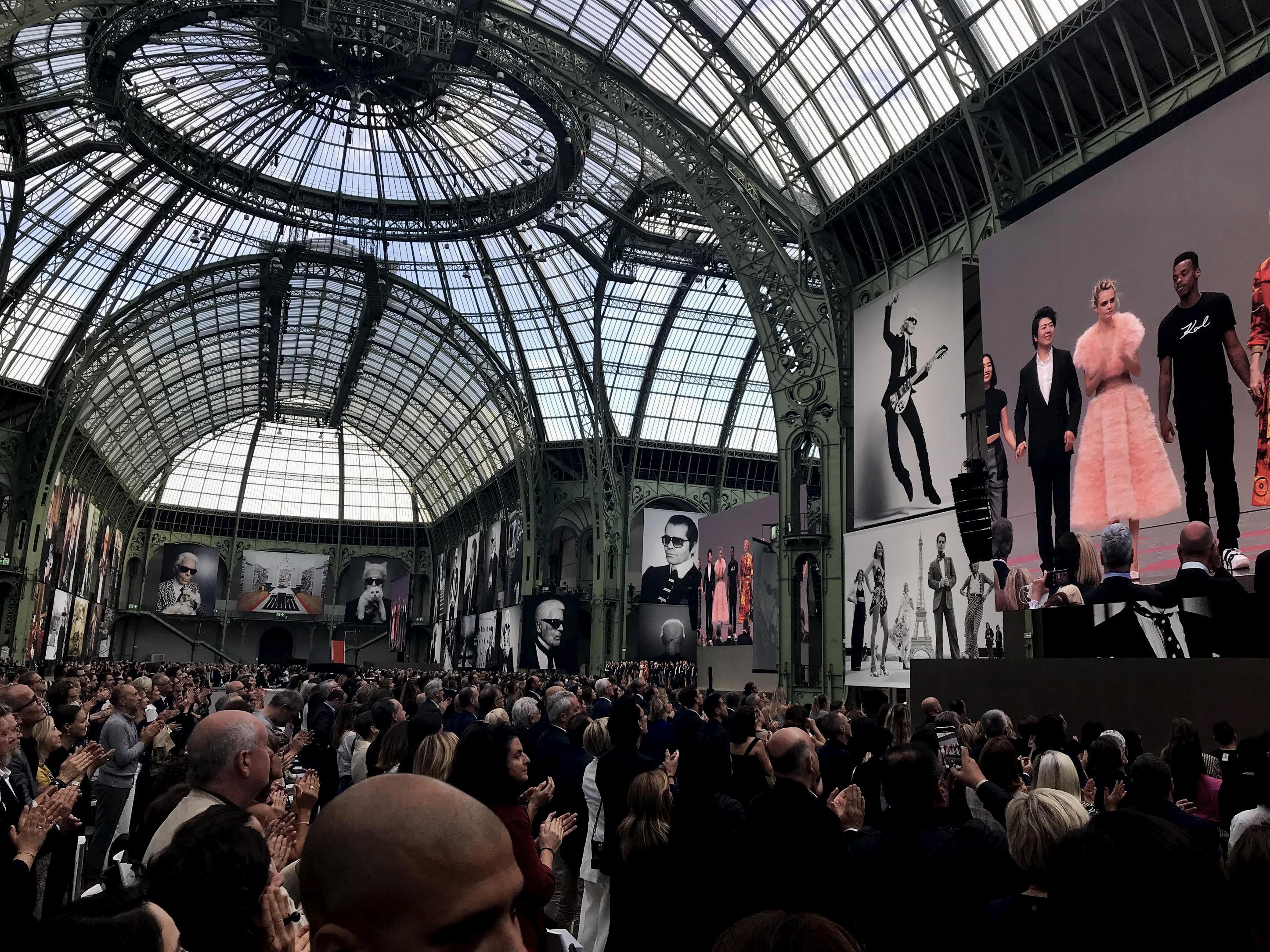 Paris Fashion Week Remembers Fashion Icon