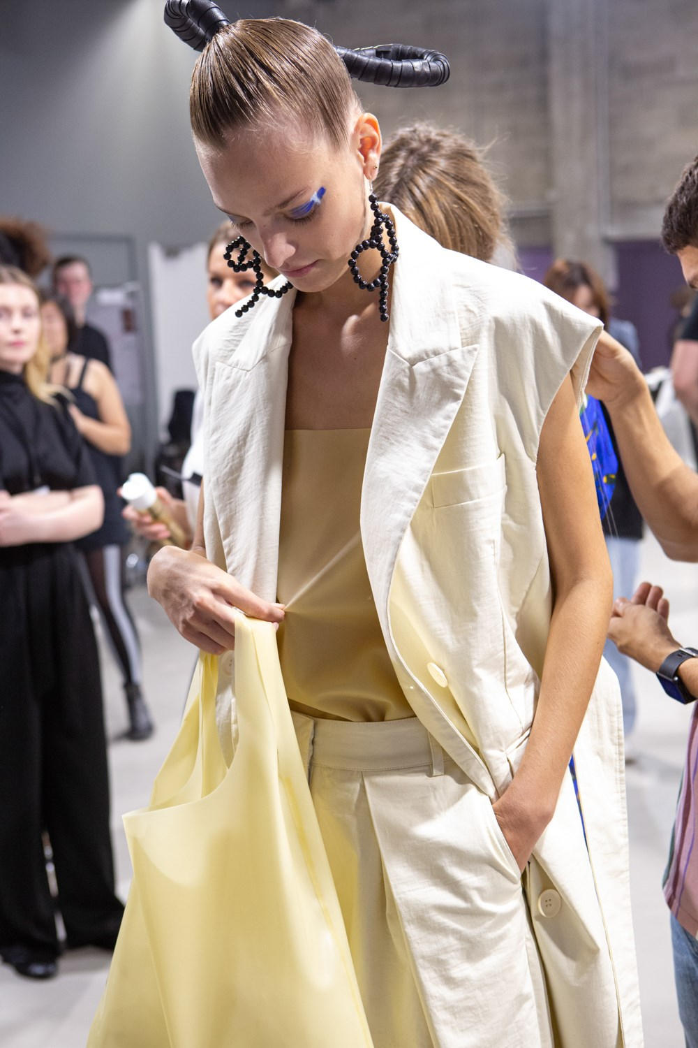 Christian Wijnants Spring 2020 Fashion Show Backstage
