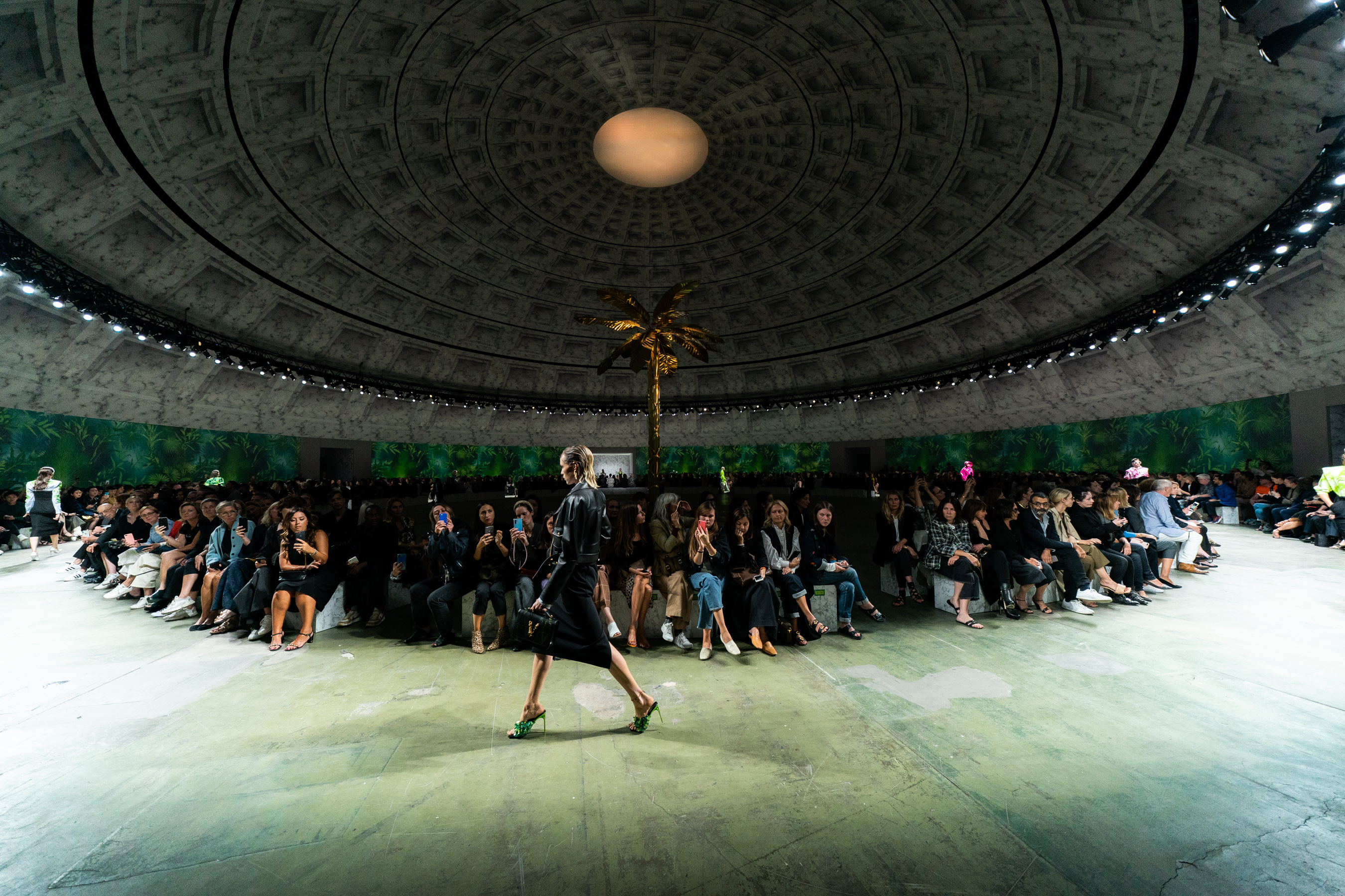 Versace Spring 2020 Fashion Show Atmosphere