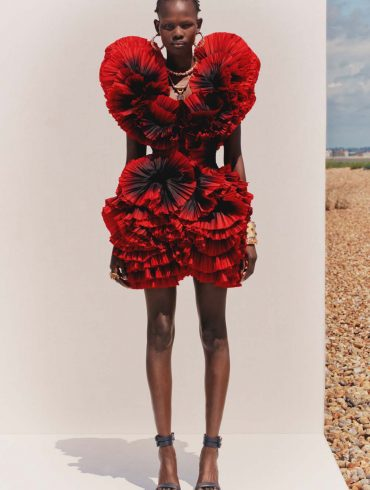 Alexander McQueen Resort 2020 Fashion Collection