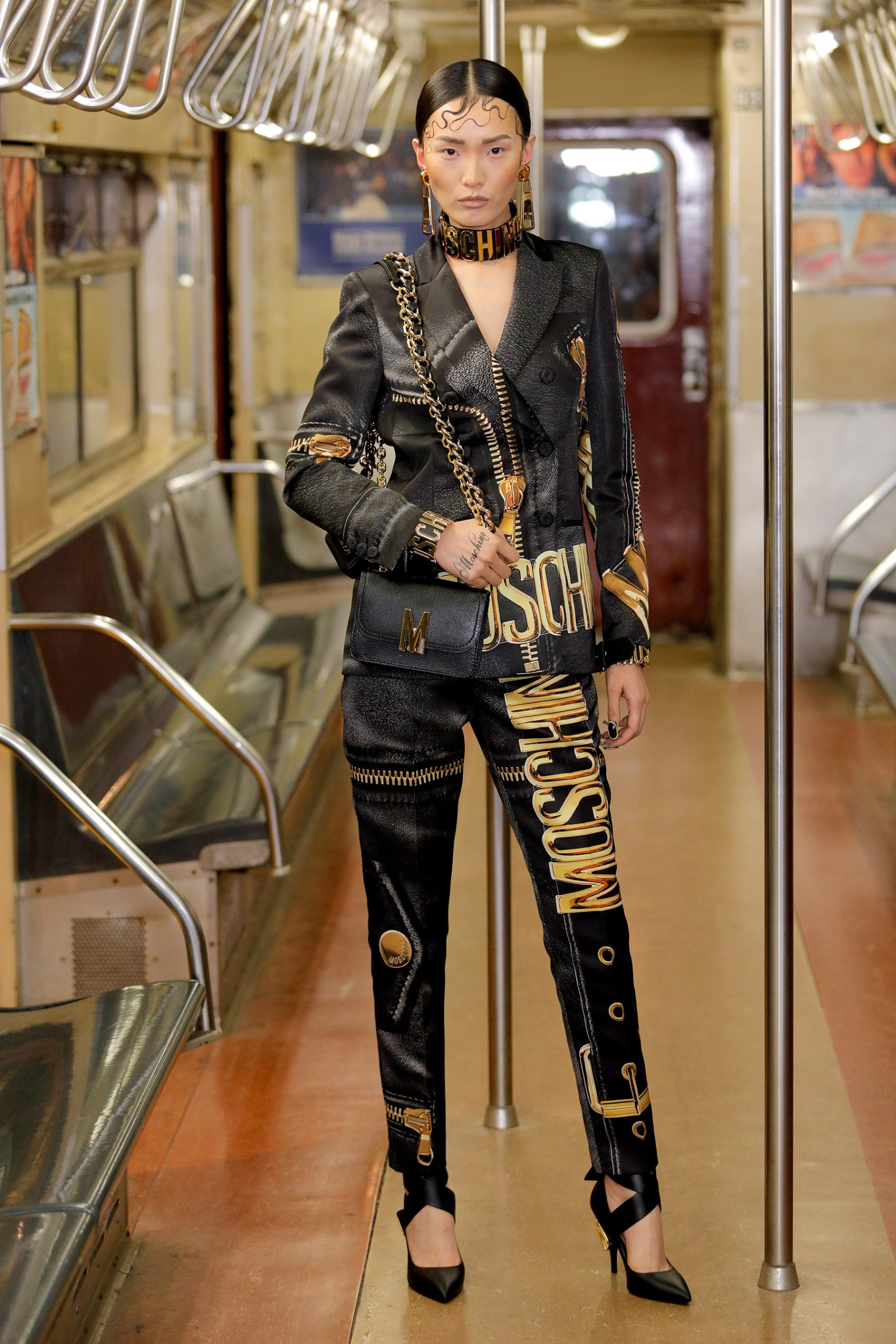Moschino Pre-Fall 2020 Fashion Show Pictures