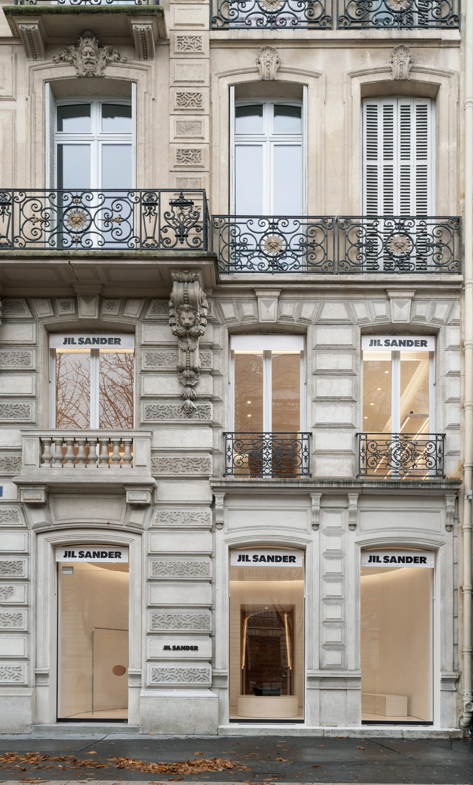 JIL SANDER RE-OPENS THE FLAGSHIP IN PARIS
