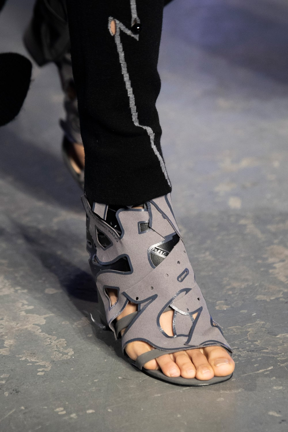 Feng Chen Wang Fall 2020 Men's Fashion Show Accessory Photos