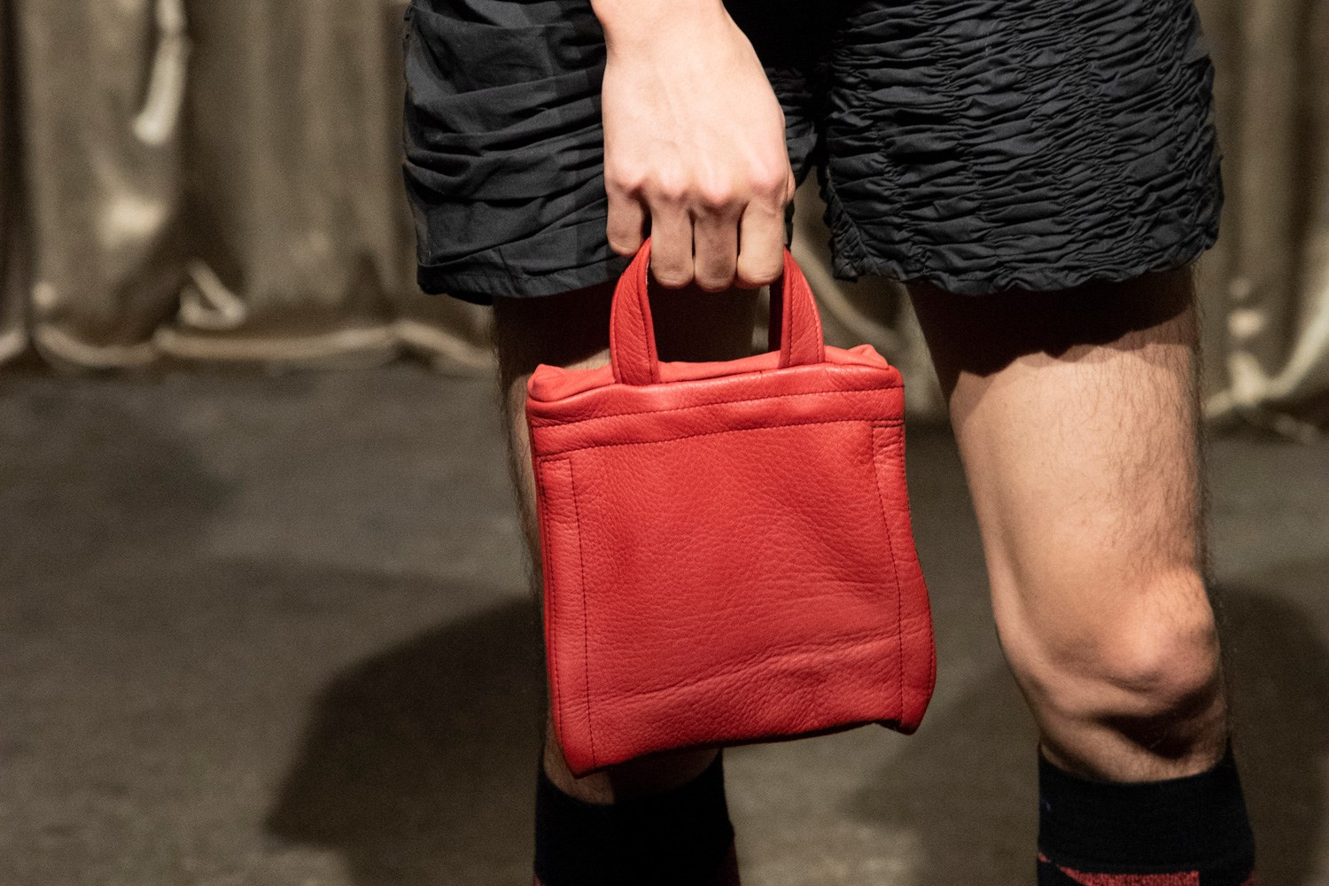 Bianca Saunders Fall 2020 Men's Fashion Show Accessory Photos