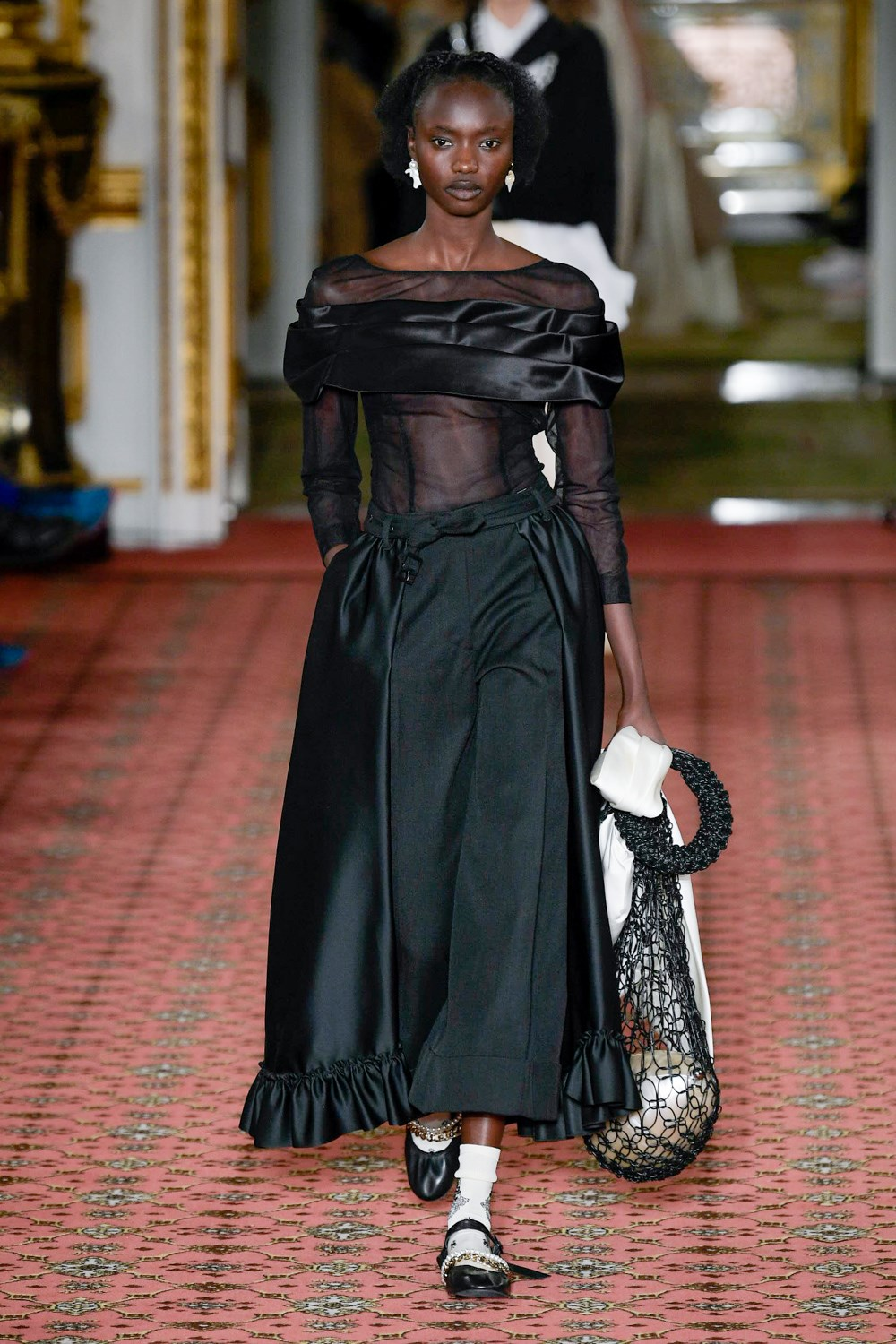 Simone Rocha Fall 2020 Fashion Show Photos