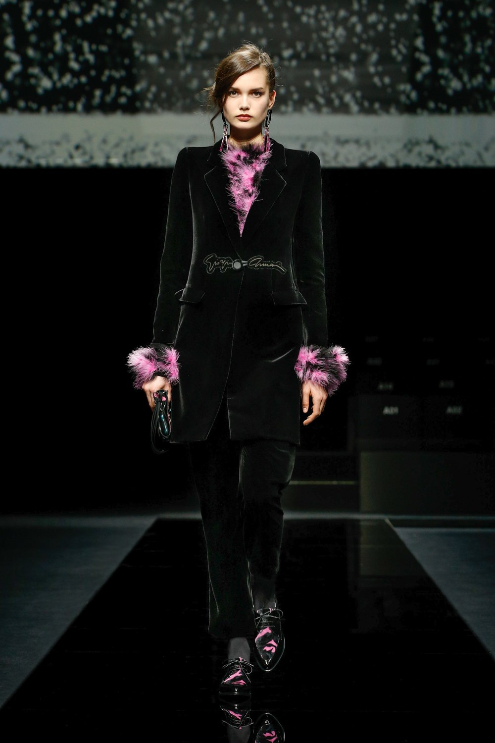 Giorgio Armani Fall 2020 Fashion Show Photos